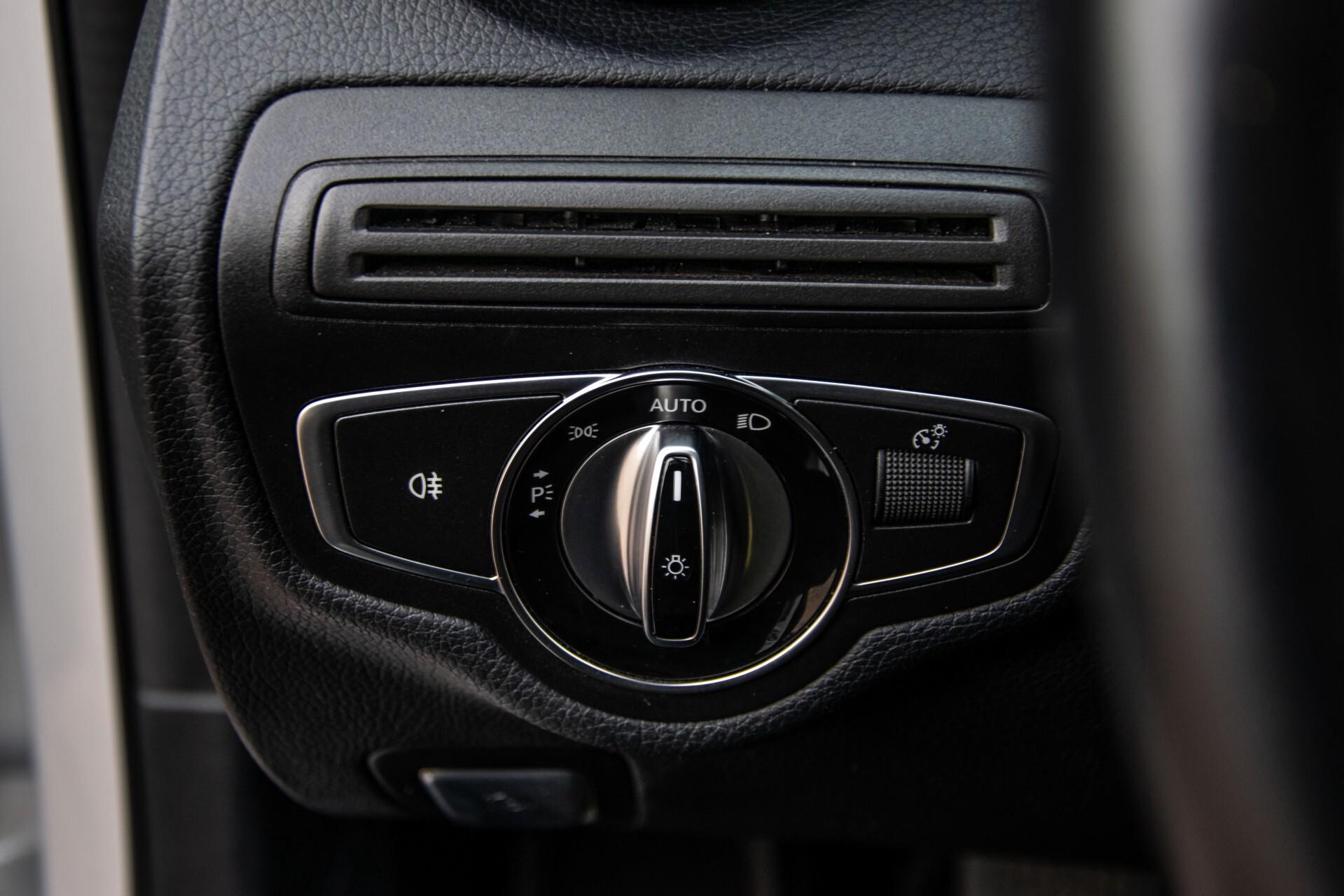 Mercedes-Benz C-Klasse 180 Bluetec Lease Edition Intelligent Light System/Cruise Control/Navi Foto 25