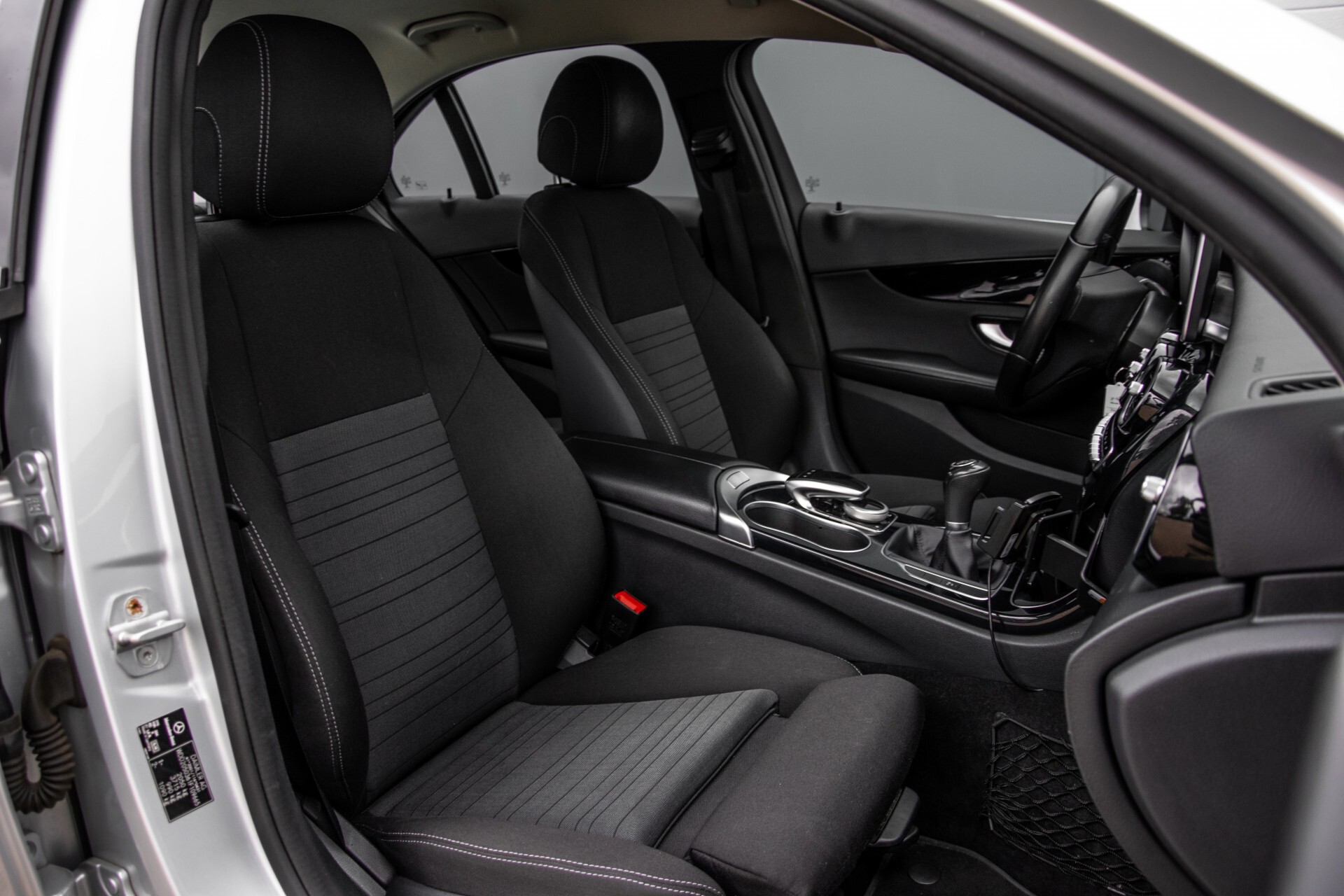 Mercedes-Benz C-Klasse 180 Bluetec Lease Edition Intelligent Light System/Cruise Control/Navi Foto 3