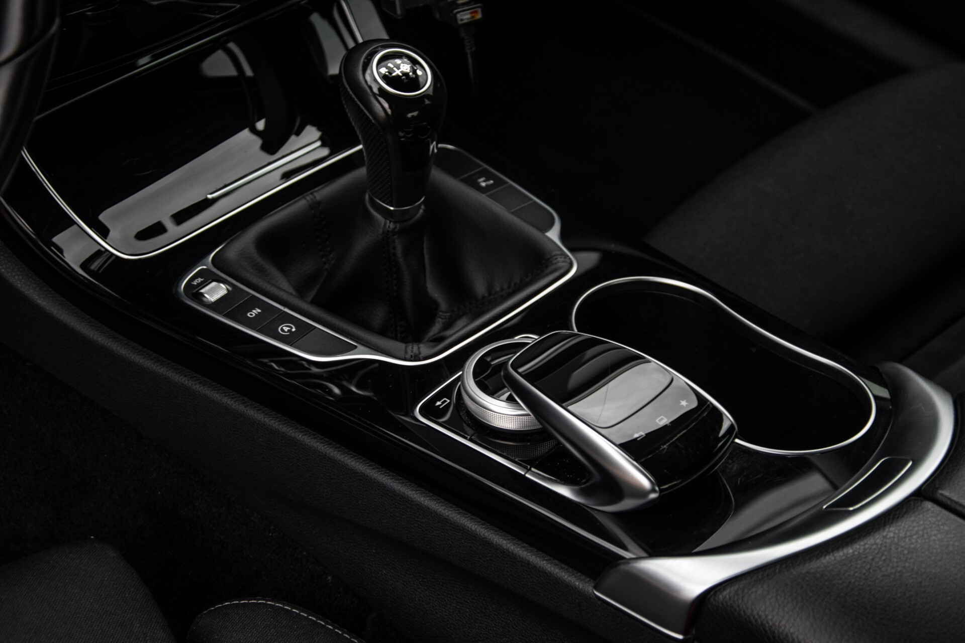 Mercedes-Benz C-Klasse 180 Bluetec Lease Edition Intelligent Light System/Cruise Control/Navi Foto 33
