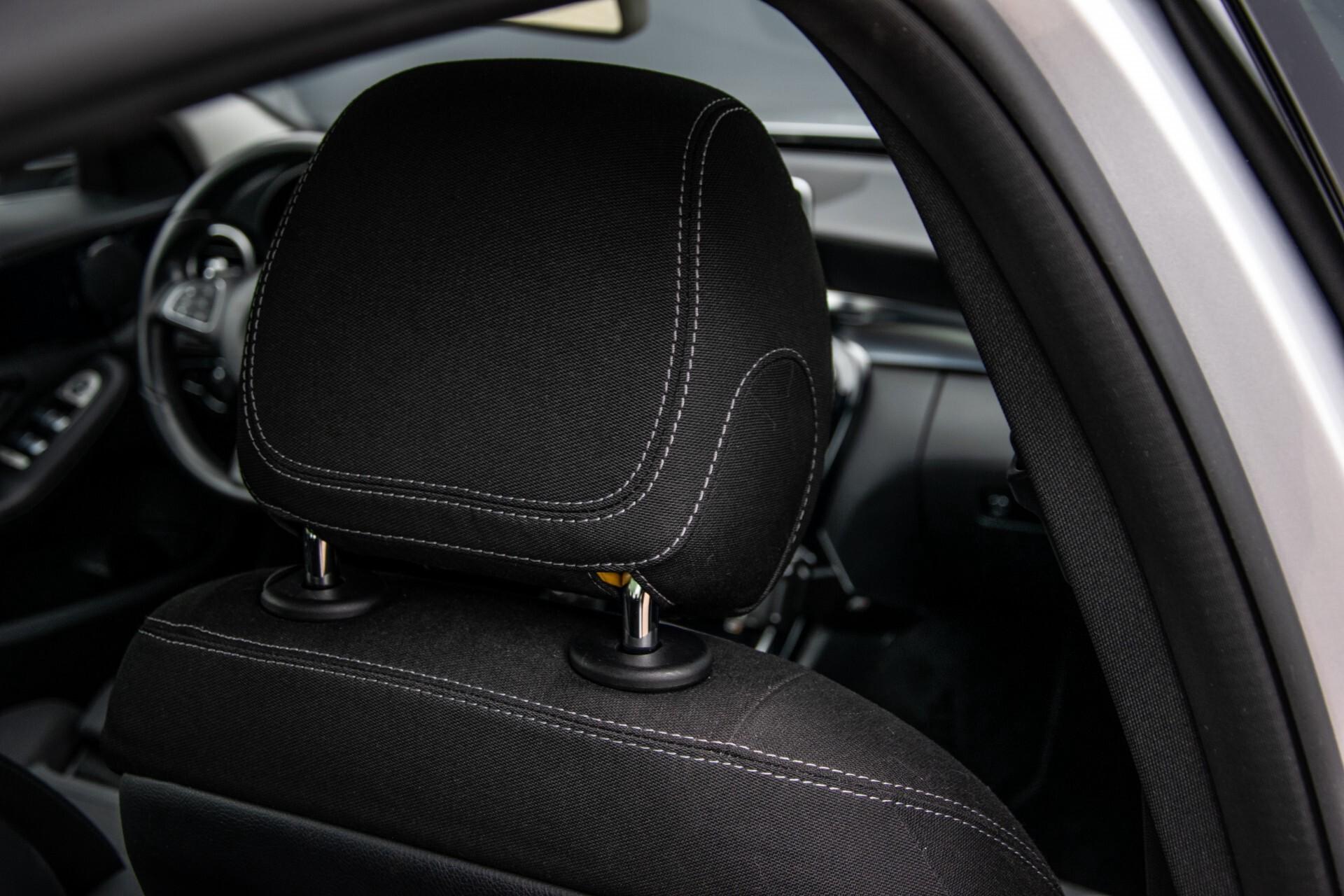 Mercedes-Benz C-Klasse 180 Bluetec Lease Edition Intelligent Light System/Cruise Control/Navi Foto 35