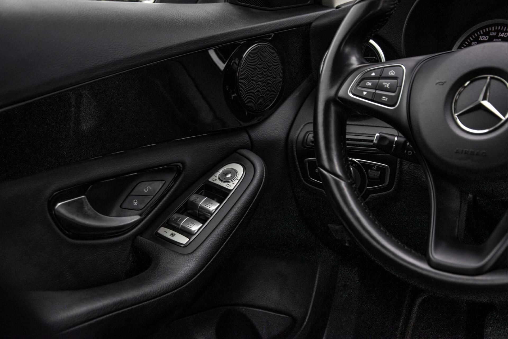 Mercedes-Benz C-Klasse 180 Bluetec Lease Edition Intelligent Light System/Cruise Control/Navi Foto 36