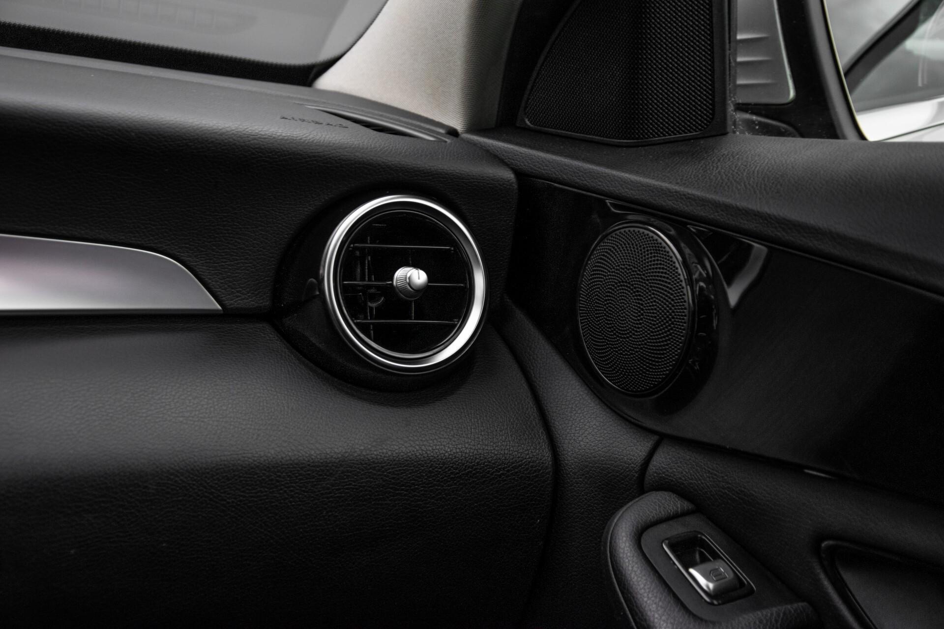 Mercedes-Benz C-Klasse 180 Bluetec Lease Edition Intelligent Light System/Cruise Control/Navi Foto 37