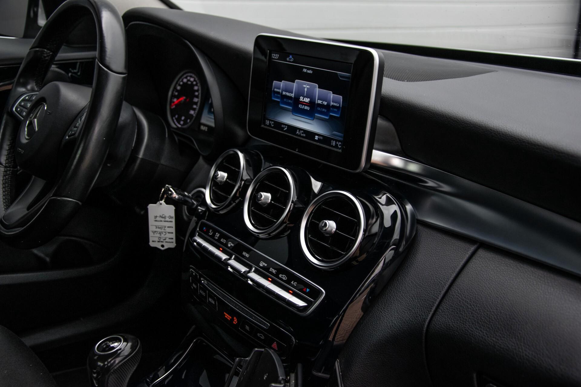 Mercedes-Benz C-Klasse 180 Bluetec Lease Edition Intelligent Light System/Cruise Control/Navi Foto 38