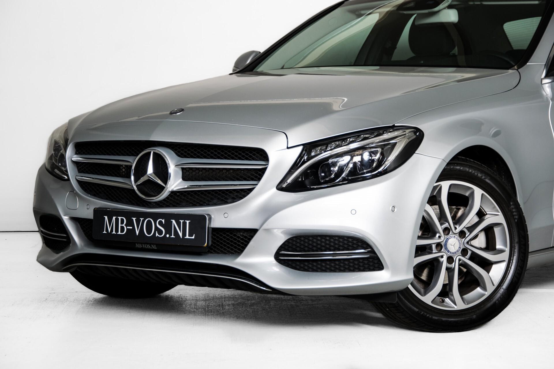 Mercedes-Benz C-Klasse 180 Bluetec Lease Edition Intelligent Light System/Cruise Control/Navi Foto 40