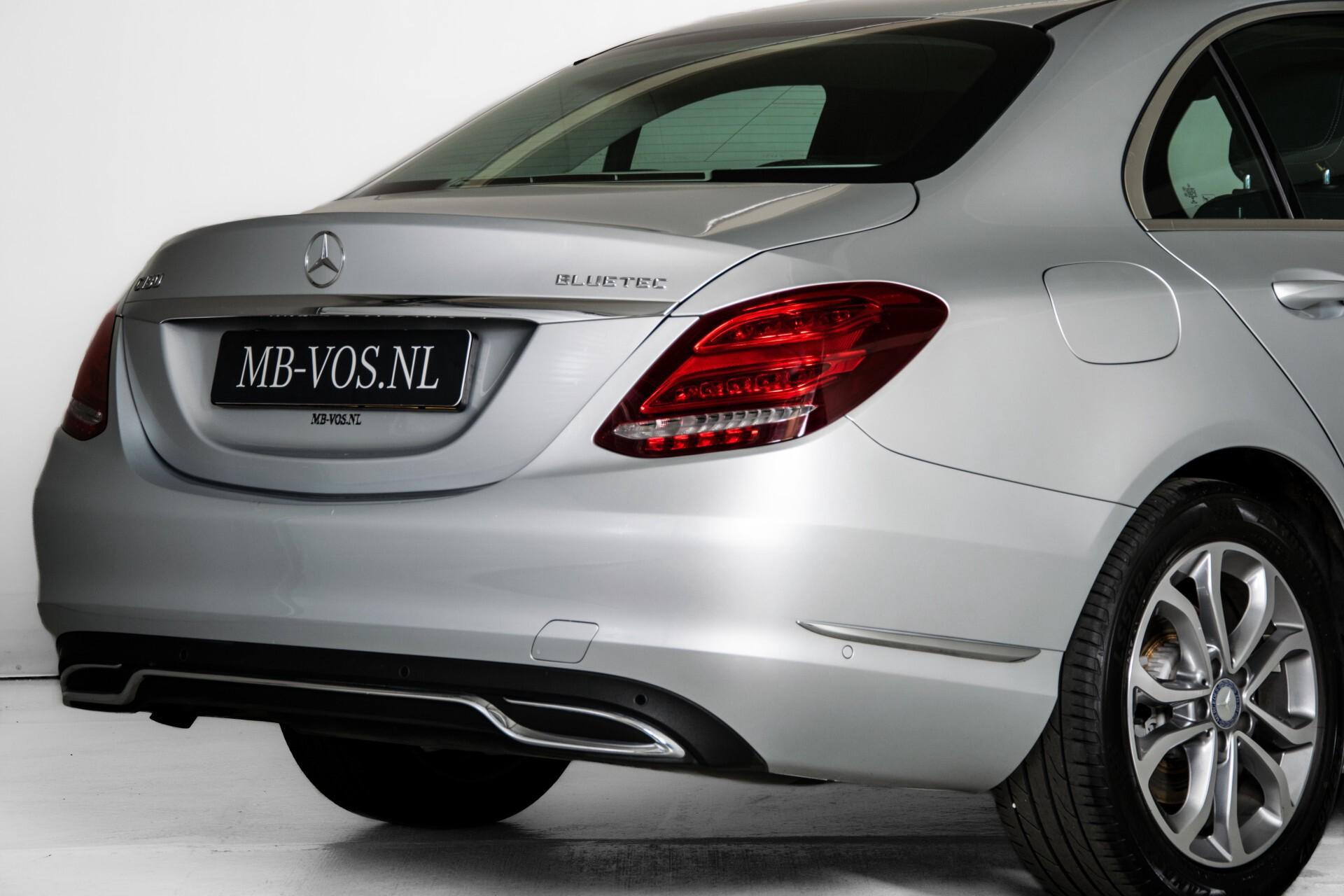 Mercedes-Benz C-Klasse 180 Bluetec Lease Edition Intelligent Light System/Cruise Control/Navi Foto 41