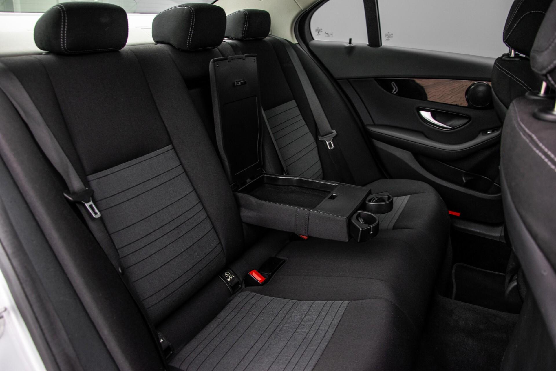 Mercedes-Benz C-Klasse 180 Bluetec Lease Edition Intelligent Light System/Cruise Control/Navi Foto 5