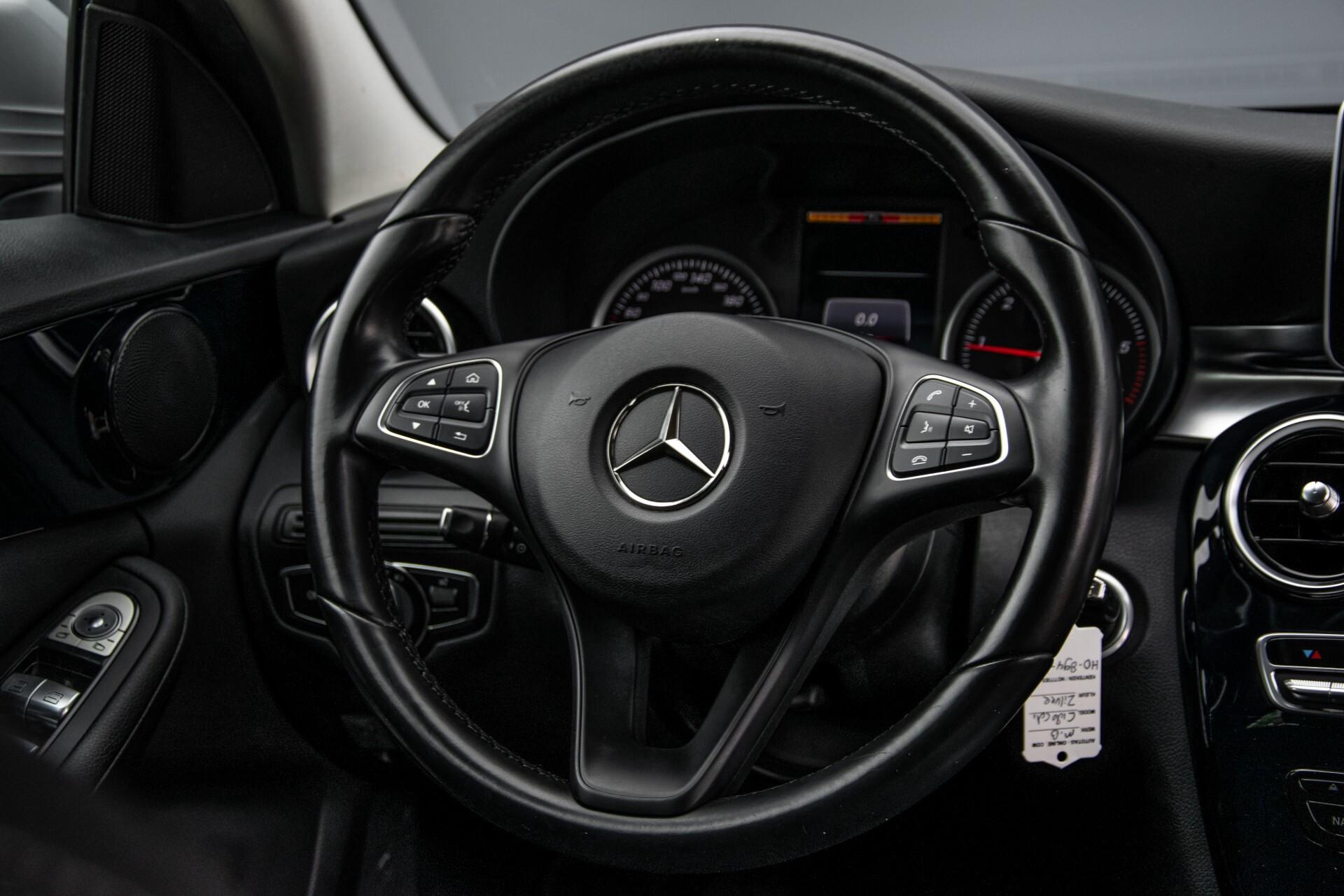 Mercedes-Benz C-Klasse 180 Bluetec Lease Edition Intelligent Light System/Cruise Control/Navi Foto 8