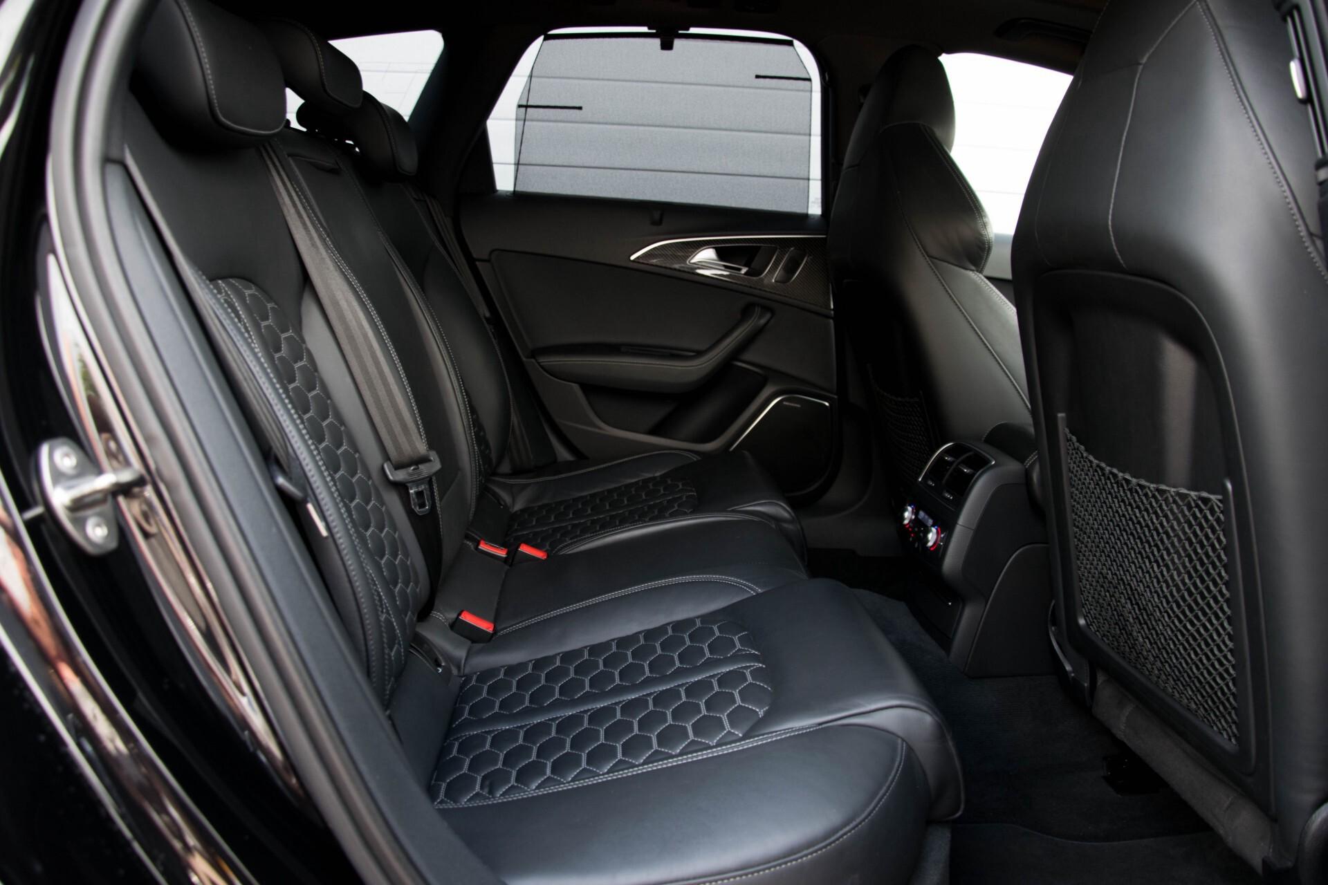Audi RS6 Avant 4.0 TFSI Quattro B&O/Carbon/Head-Up/Nachtzicht/Exclusive/Camera/Keyless/Pano Aut8 Foto 4