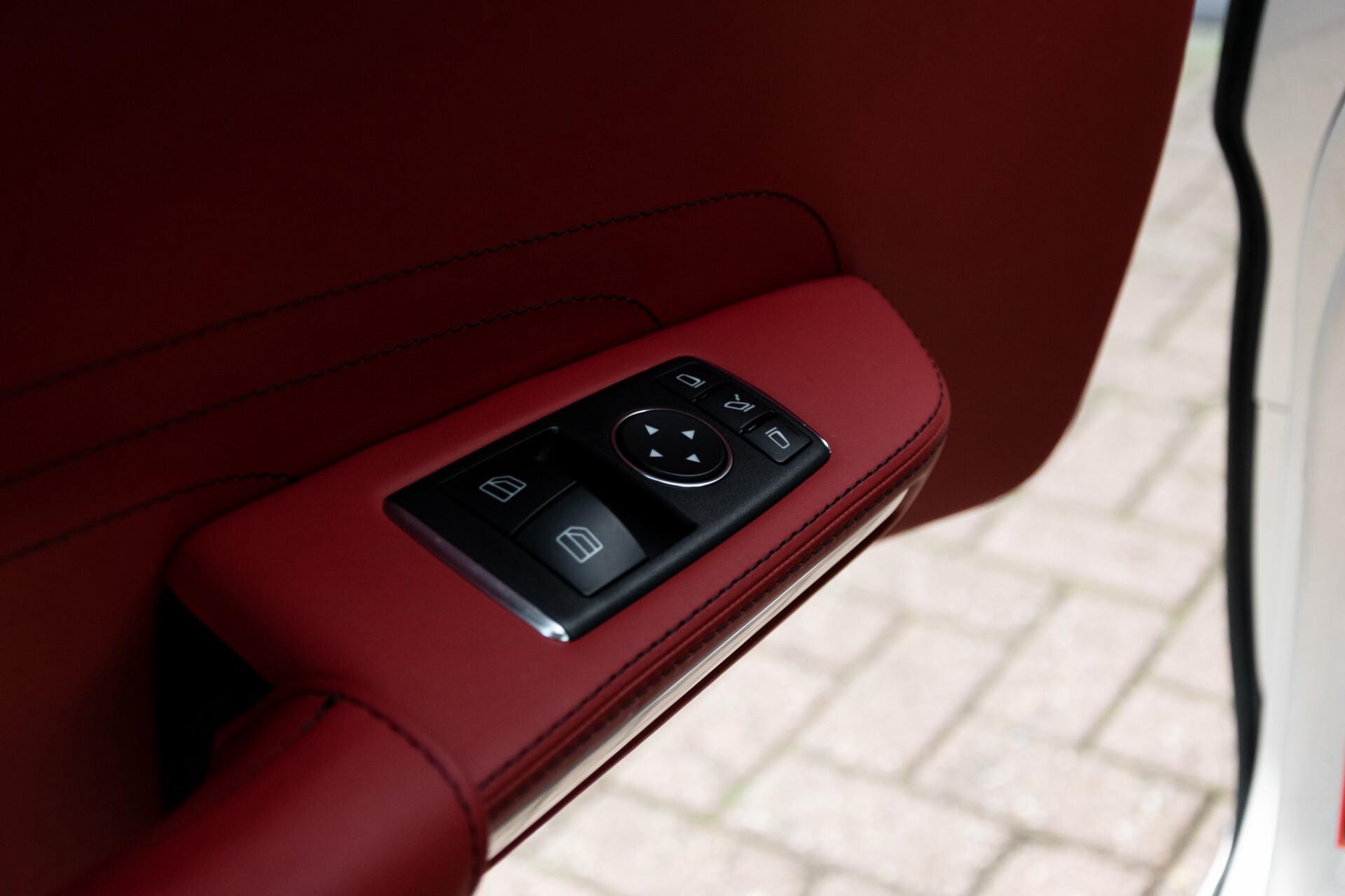 Mercedes-Benz SLS Coupé 6.3 AMG 1ste eigenaar/NL Auto FULL OPTIONS Aut7 Foto 17
