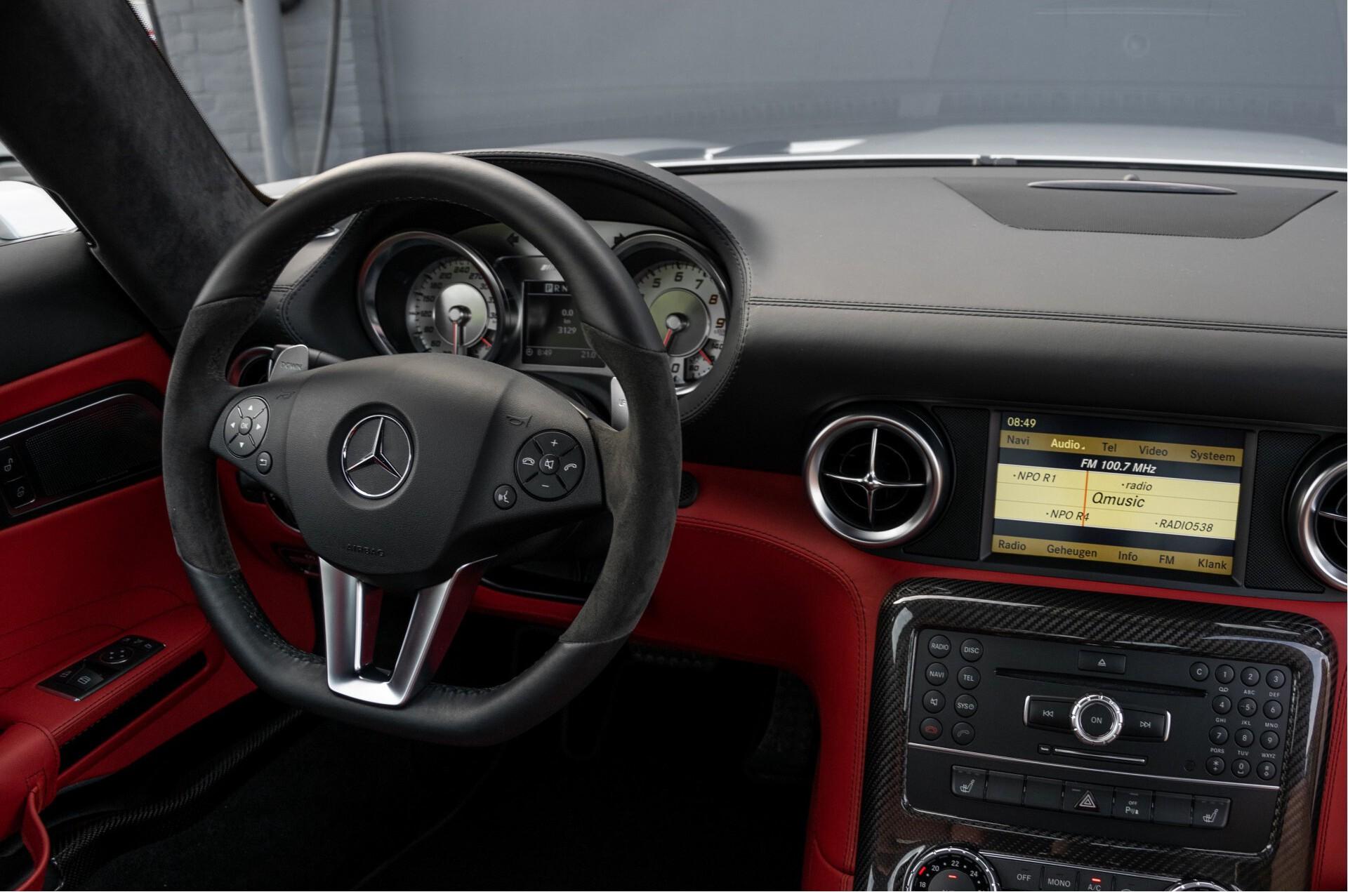 Mercedes-Benz SLS Coupé 6.3 AMG 1ste eigenaar/NL Auto FULL OPTIONS Aut7 Foto 8