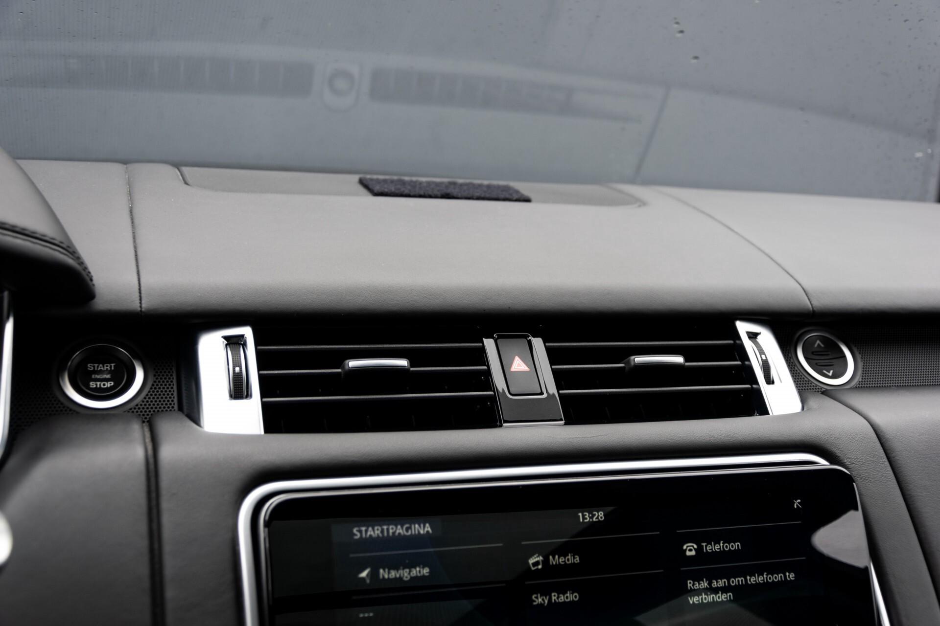 Land Rover Range Rover Sport SVR 5.0 Supercharged 575pk Full Carbon Nieuwprijs €241377 Foto 23