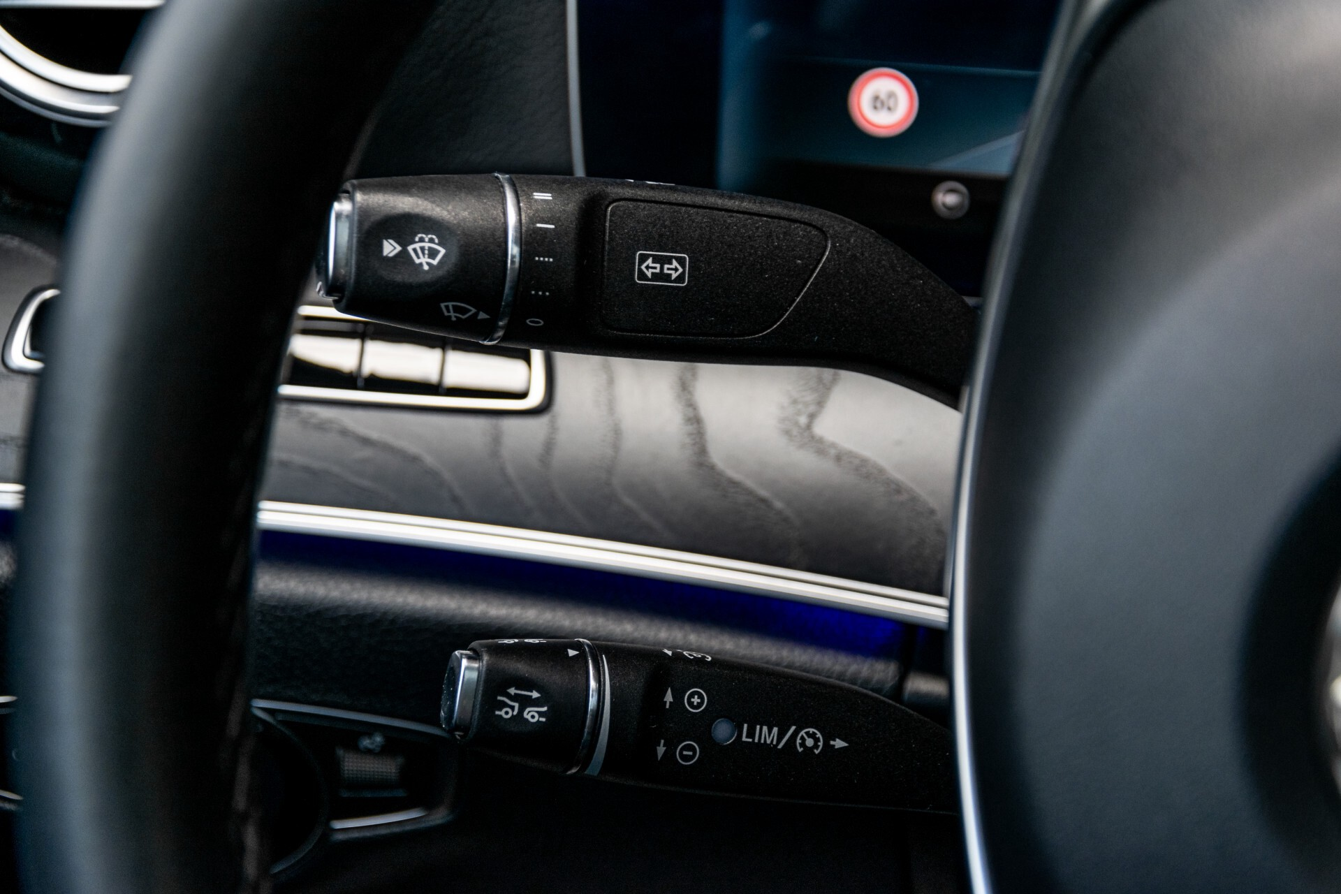 "Mercedes-Benz E-Klasse 220 d AMG Night Panorama/Widescreen/Burmester/20""/Wegklapbare trekhaak Aut9 Foto 10"