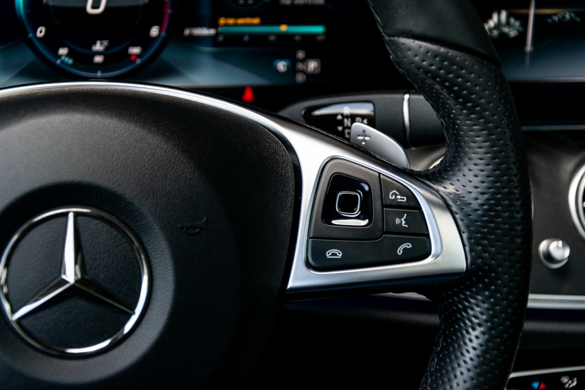 "Mercedes-Benz E-Klasse 220 d AMG Night Panorama/Widescreen/Burmester/20""/Wegklapbare trekhaak Aut9 Foto 15"