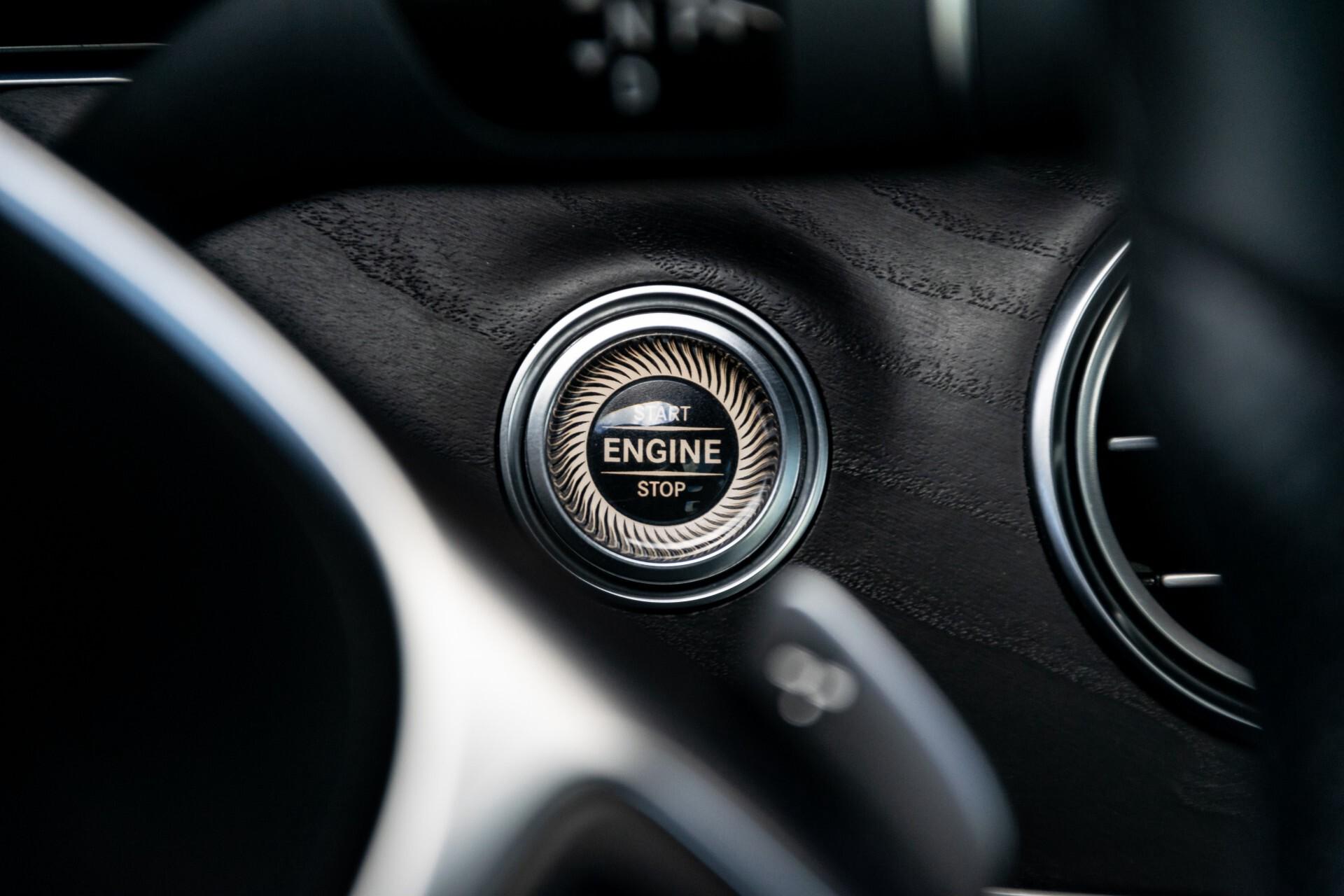 "Mercedes-Benz E-Klasse 220 d AMG Night Panorama/Widescreen/Burmester/20""/Wegklapbare trekhaak Aut9 Foto 17"