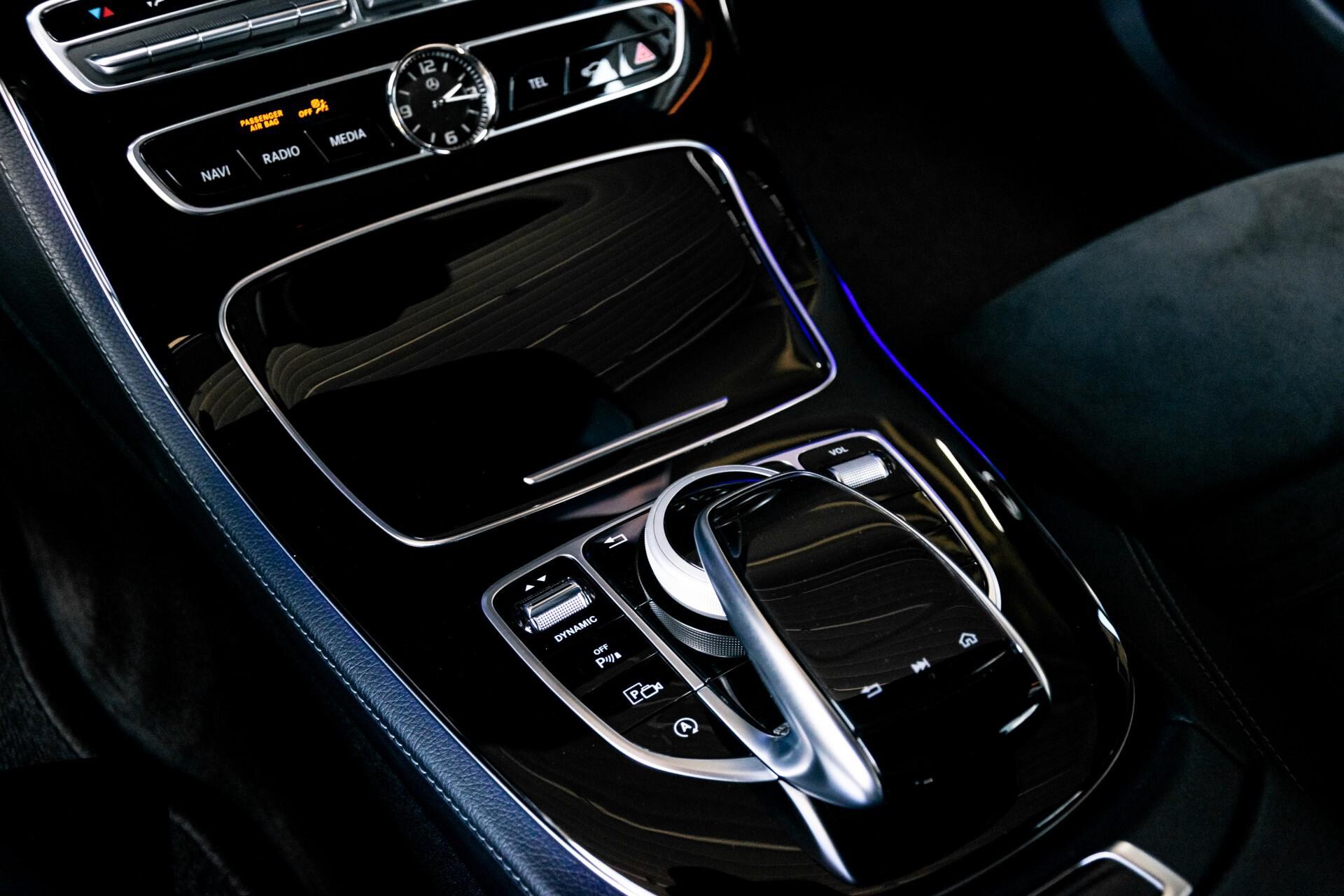 "Mercedes-Benz E-Klasse 220 d AMG Night Panorama/Widescreen/Burmester/20""/Wegklapbare trekhaak Aut9 Foto 23"