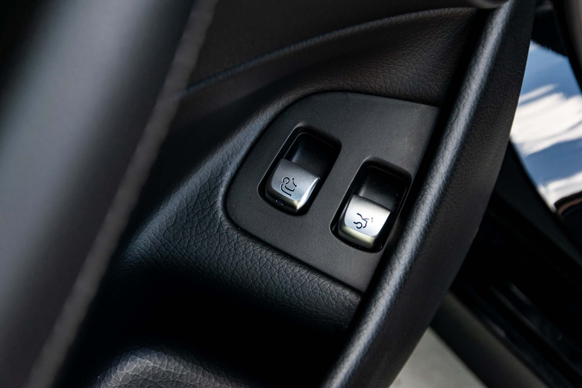 "Mercedes-Benz E-Klasse 220 d AMG Night Panorama/Widescreen/Burmester/20""/Wegklapbare trekhaak Aut9 Foto 29"