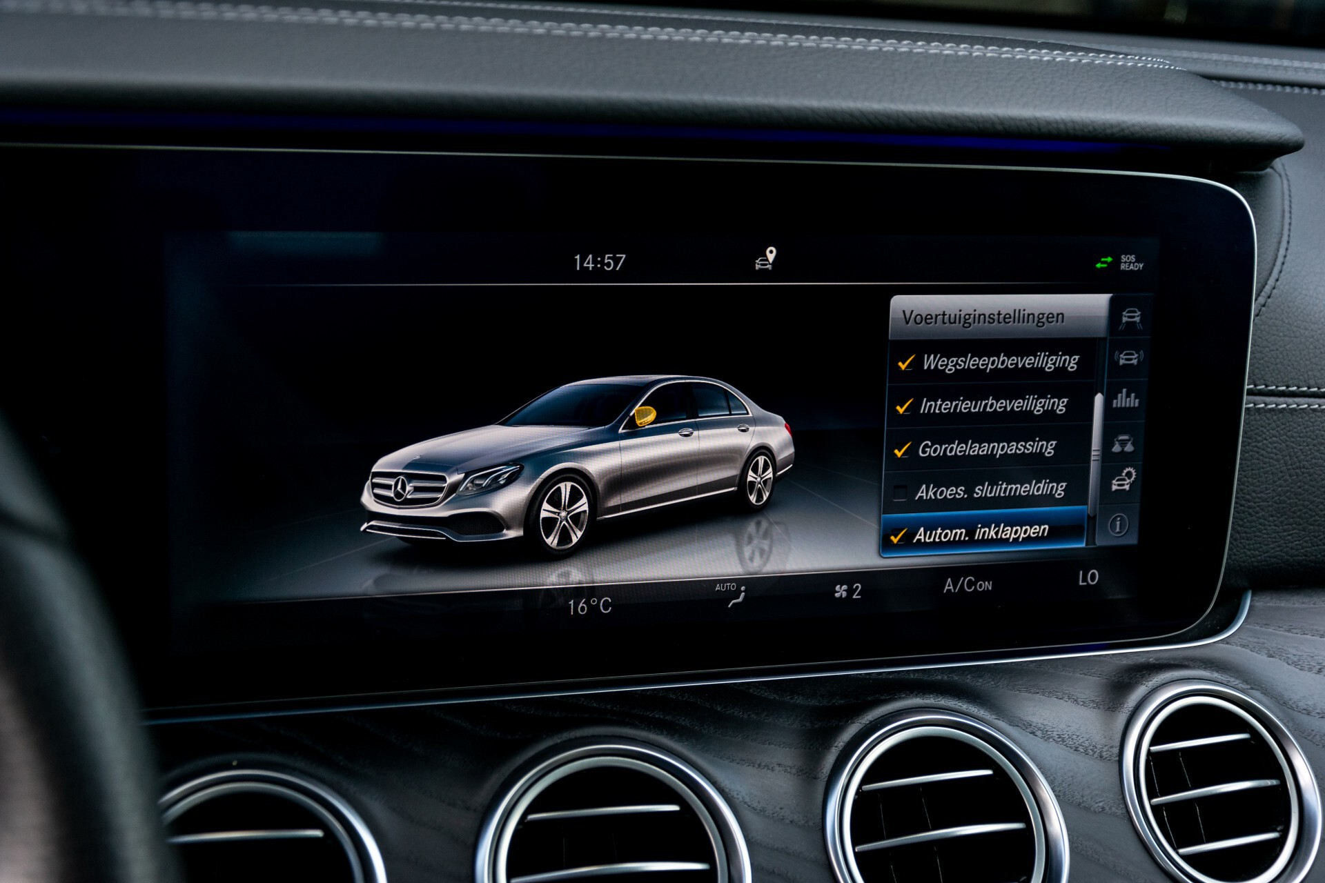 "Mercedes-Benz E-Klasse 220 d AMG Night Panorama/Widescreen/Burmester/20""/Wegklapbare trekhaak Aut9 Foto 44"
