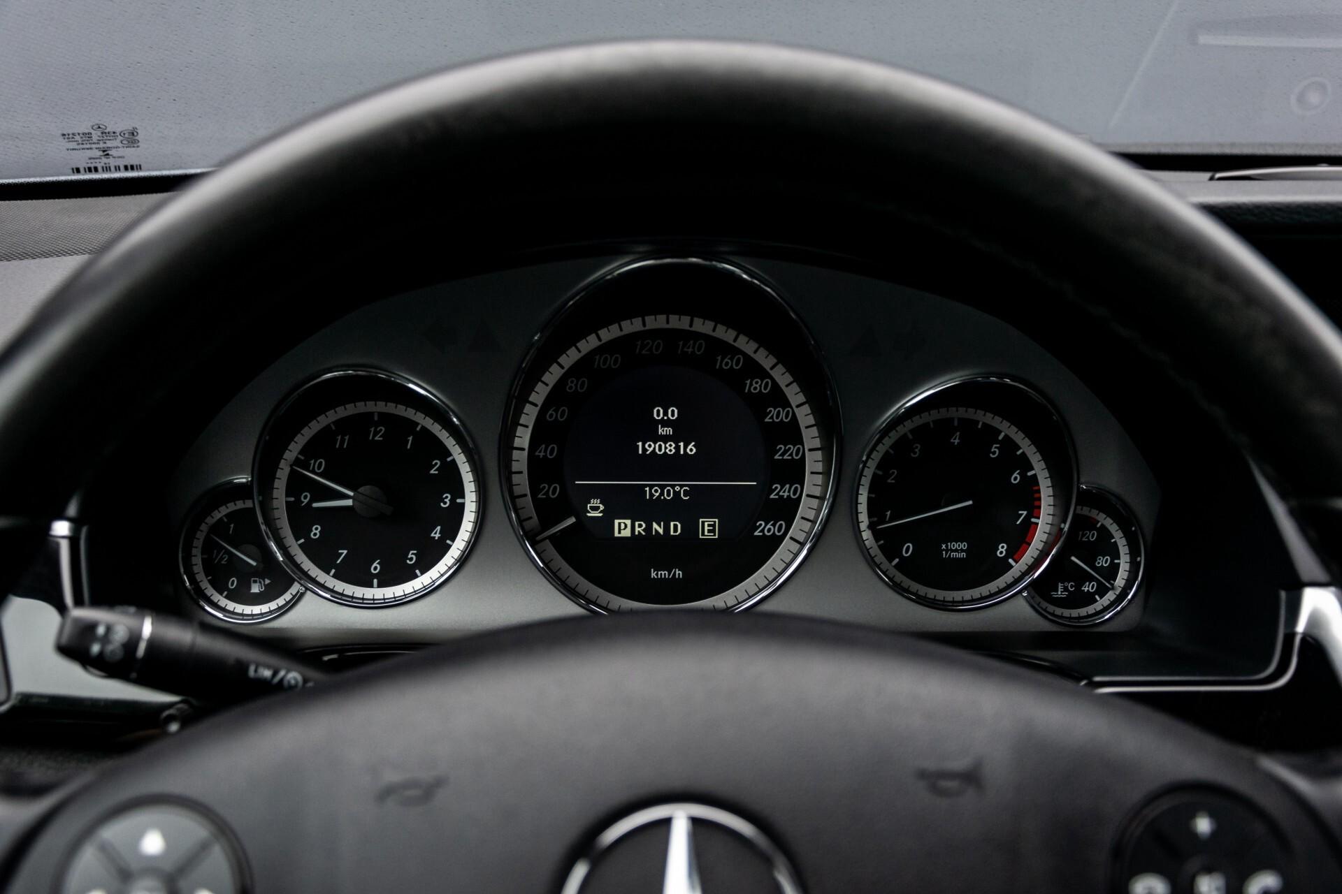 Mercedes-Benz E-Klasse 200 CGI Avantgarde Busines Class Aut5 Foto 11