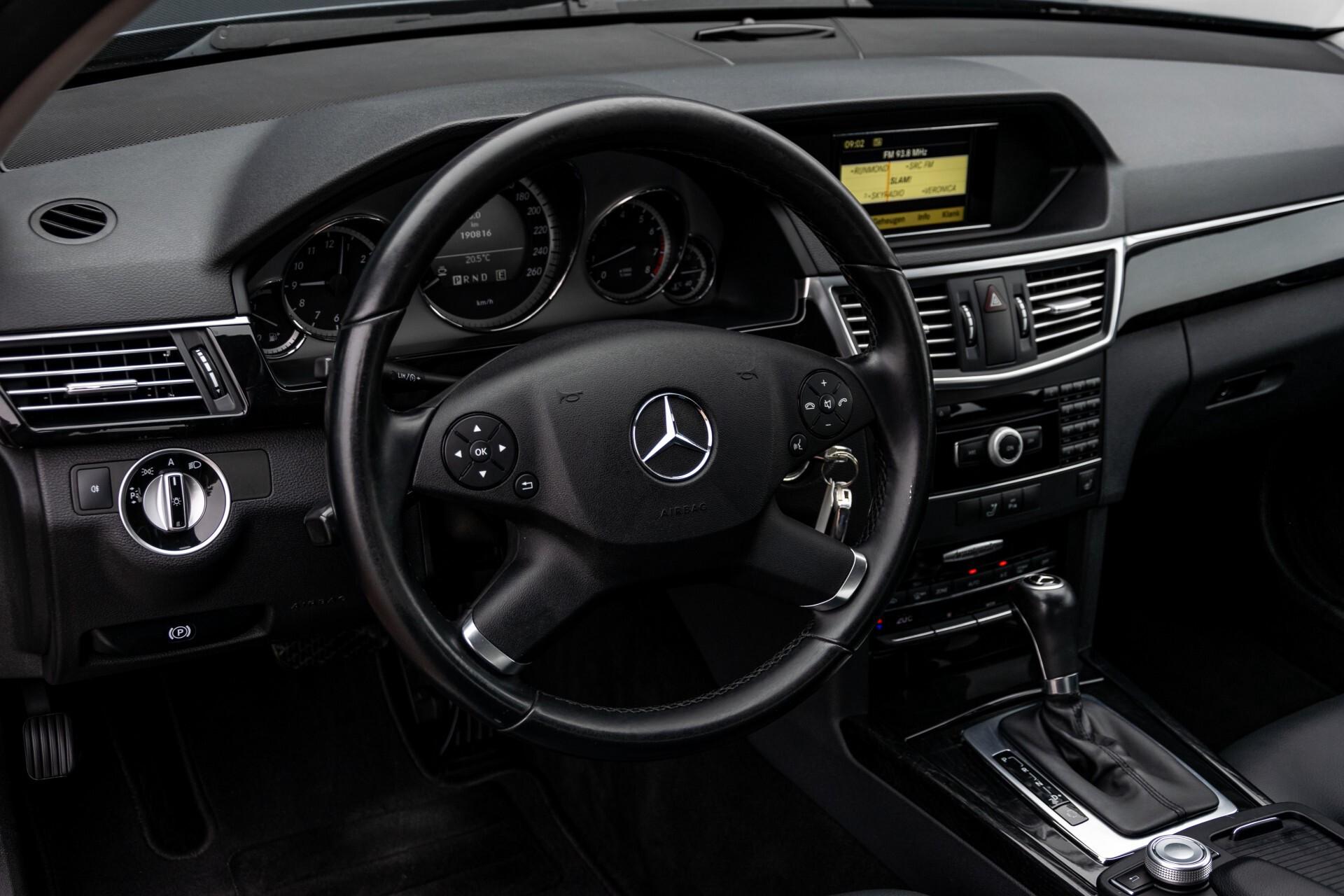 Mercedes-Benz E-Klasse 200 CGI Avantgarde Busines Class Aut5 Foto 14