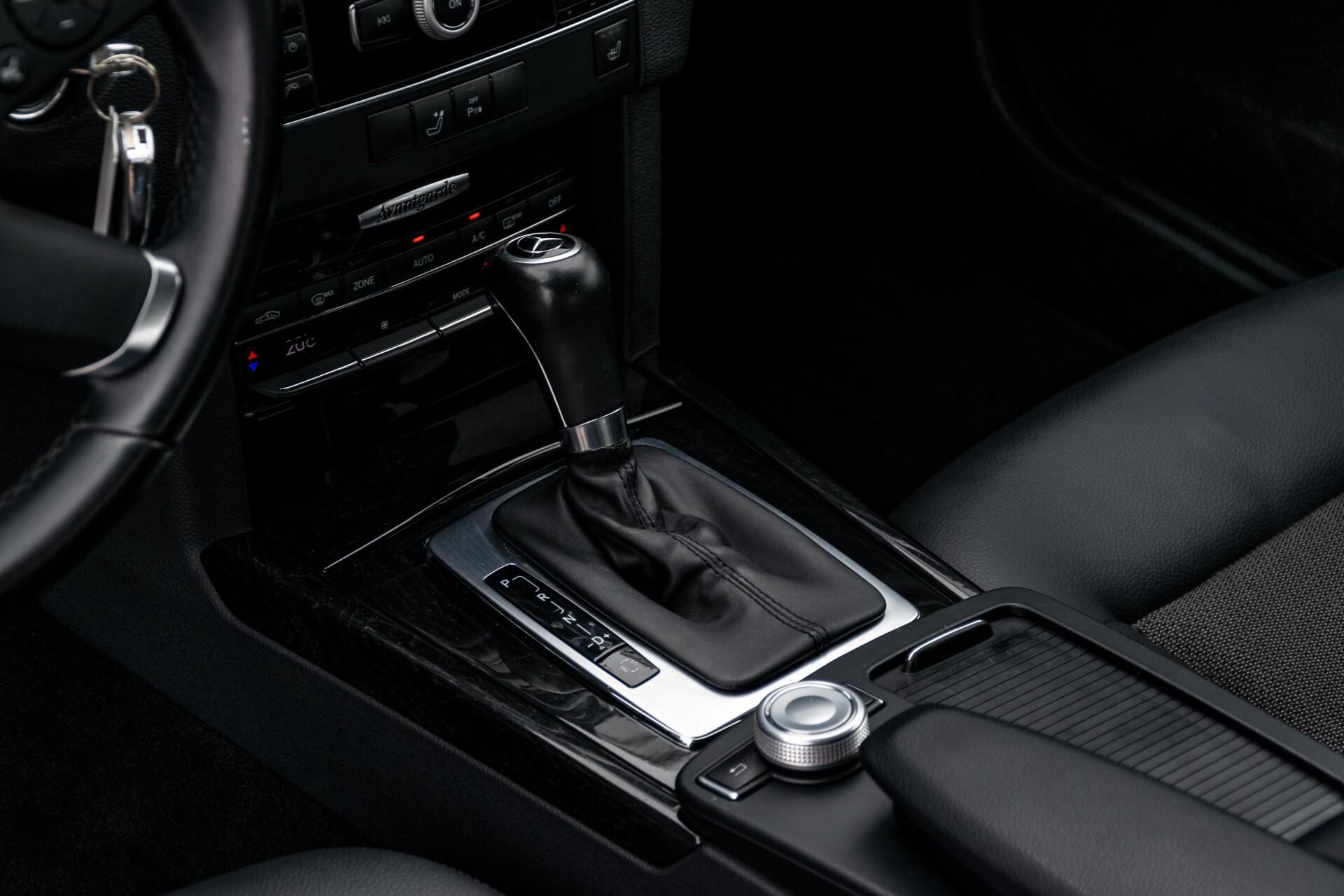 Mercedes-Benz E-Klasse 200 CGI Avantgarde Busines Class Aut5 Foto 15