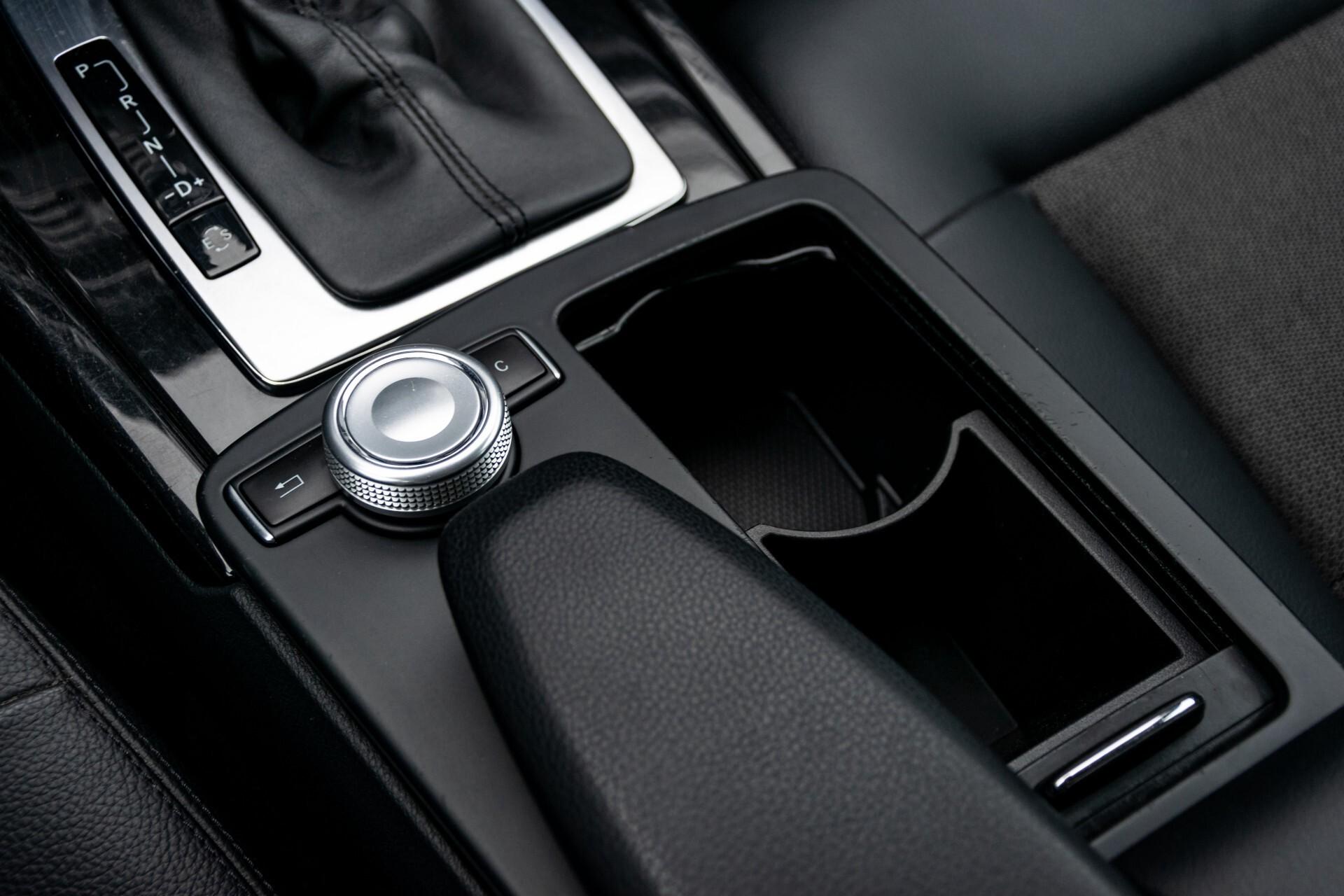 Mercedes-Benz E-Klasse 200 CGI Avantgarde Busines Class Aut5 Foto 19