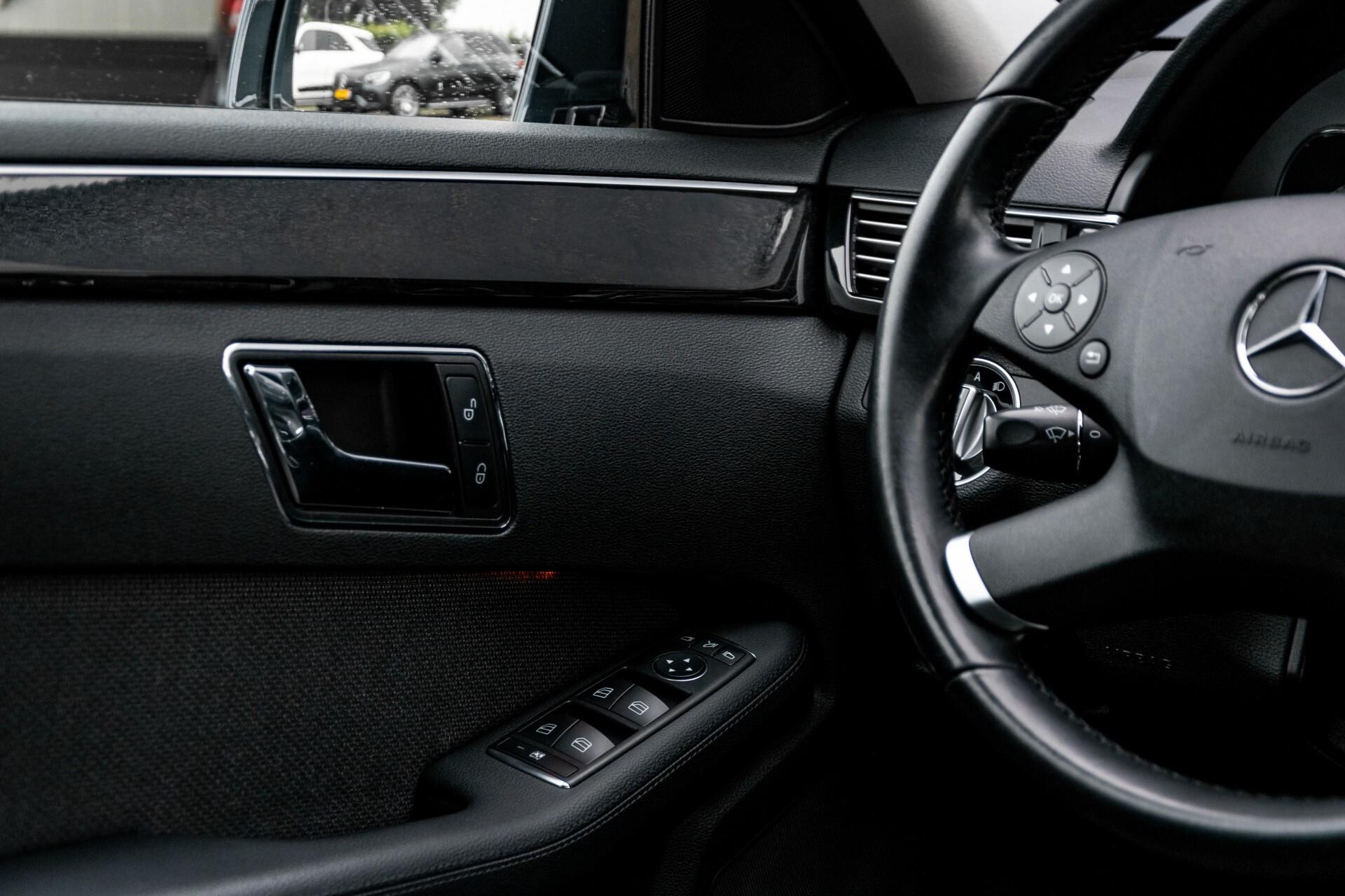 Mercedes-Benz E-Klasse 200 CGI Avantgarde Busines Class Aut5 Foto 31