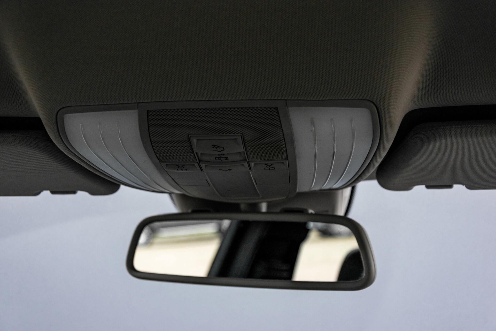 Mercedes-Benz E-Klasse 200 CGI Avantgarde Busines Class Aut5 Foto 34