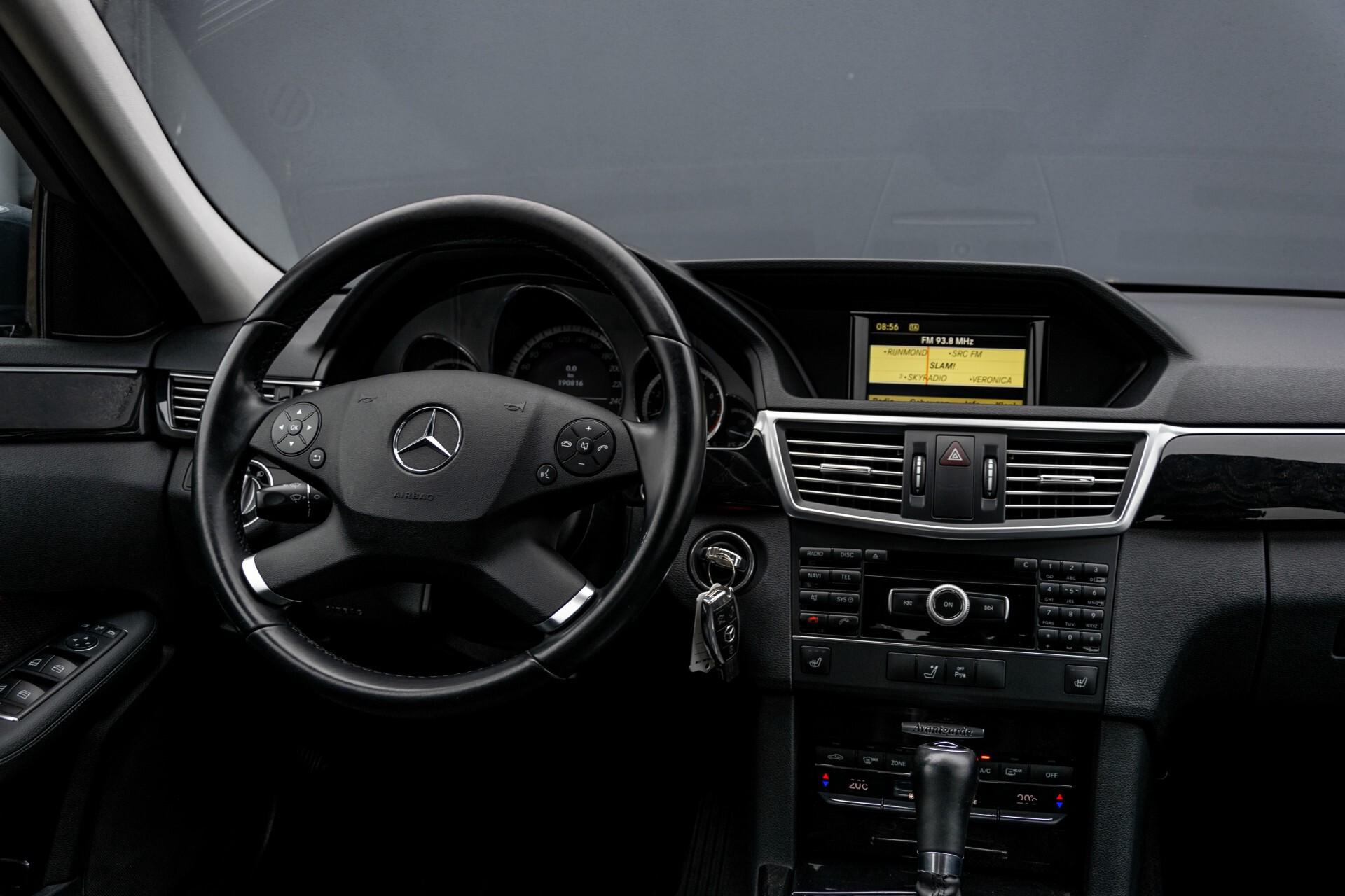 Mercedes-Benz E-Klasse 200 CGI Avantgarde Busines Class Aut5 Foto 6