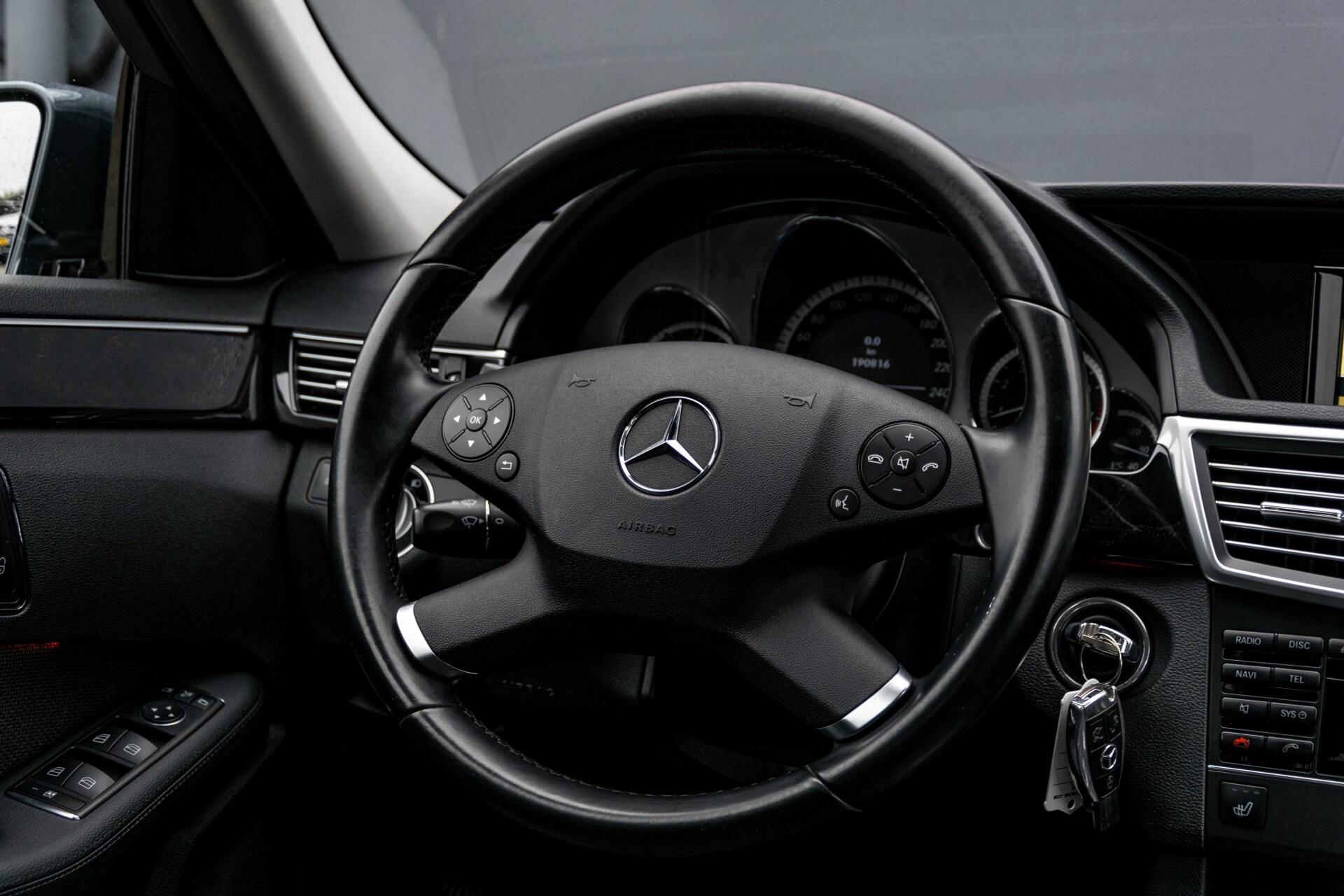 Mercedes-Benz E-Klasse 200 CGI Avantgarde Busines Class Aut5 Foto 7