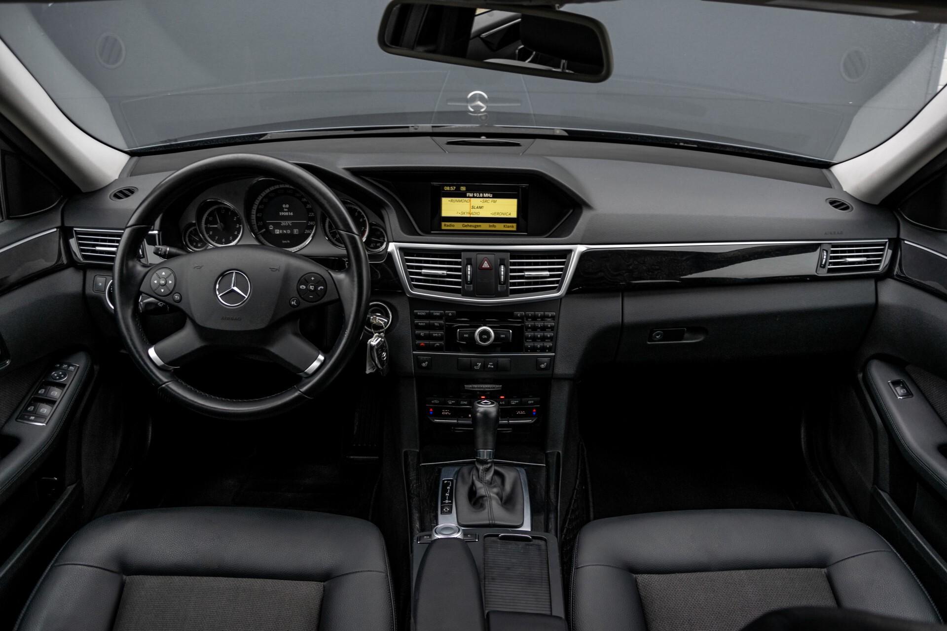 Mercedes-Benz E-Klasse 200 CGI Avantgarde Busines Class Aut5 Foto 8