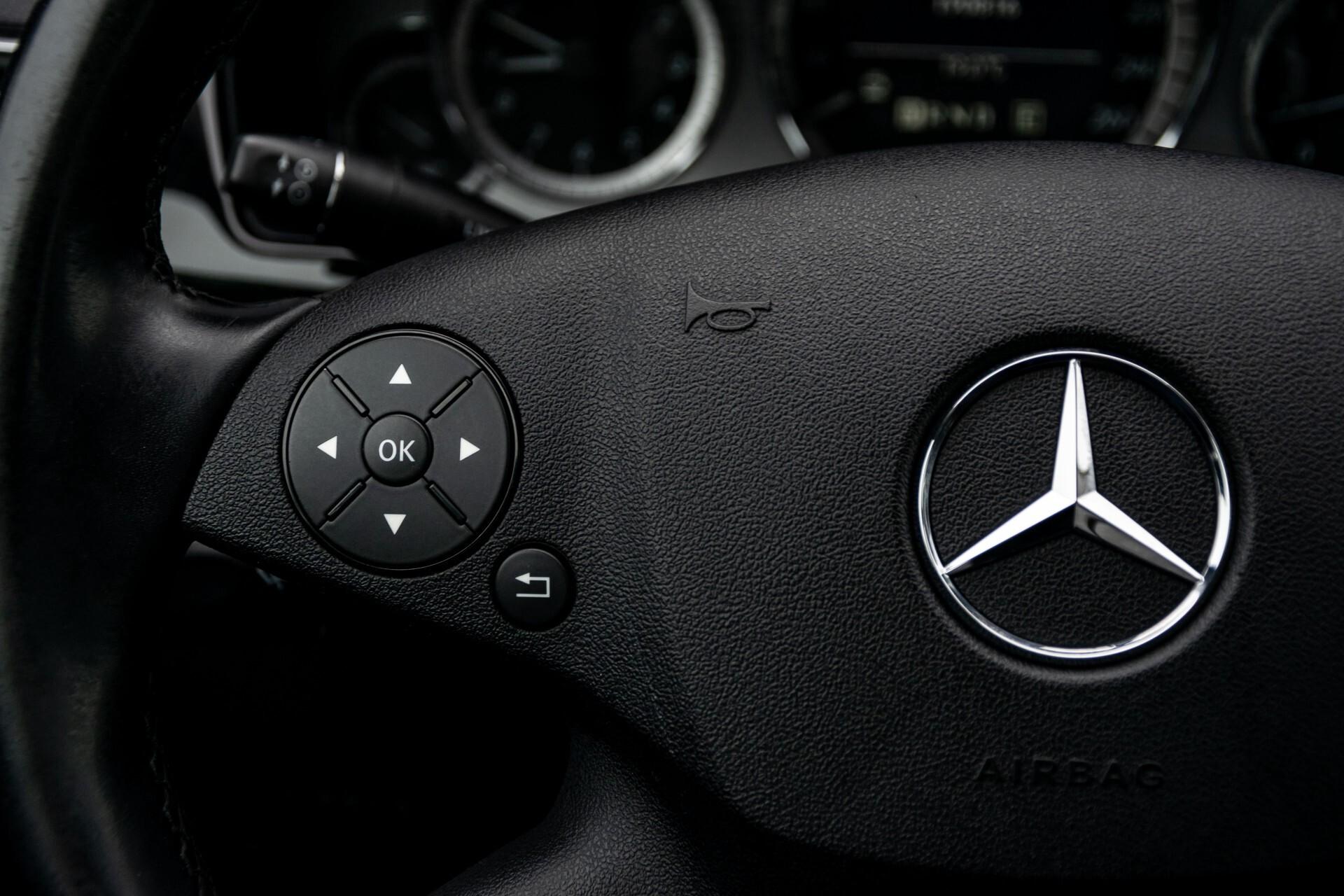 Mercedes-Benz E-Klasse 200 CGI Avantgarde Busines Class Aut5 Foto 9
