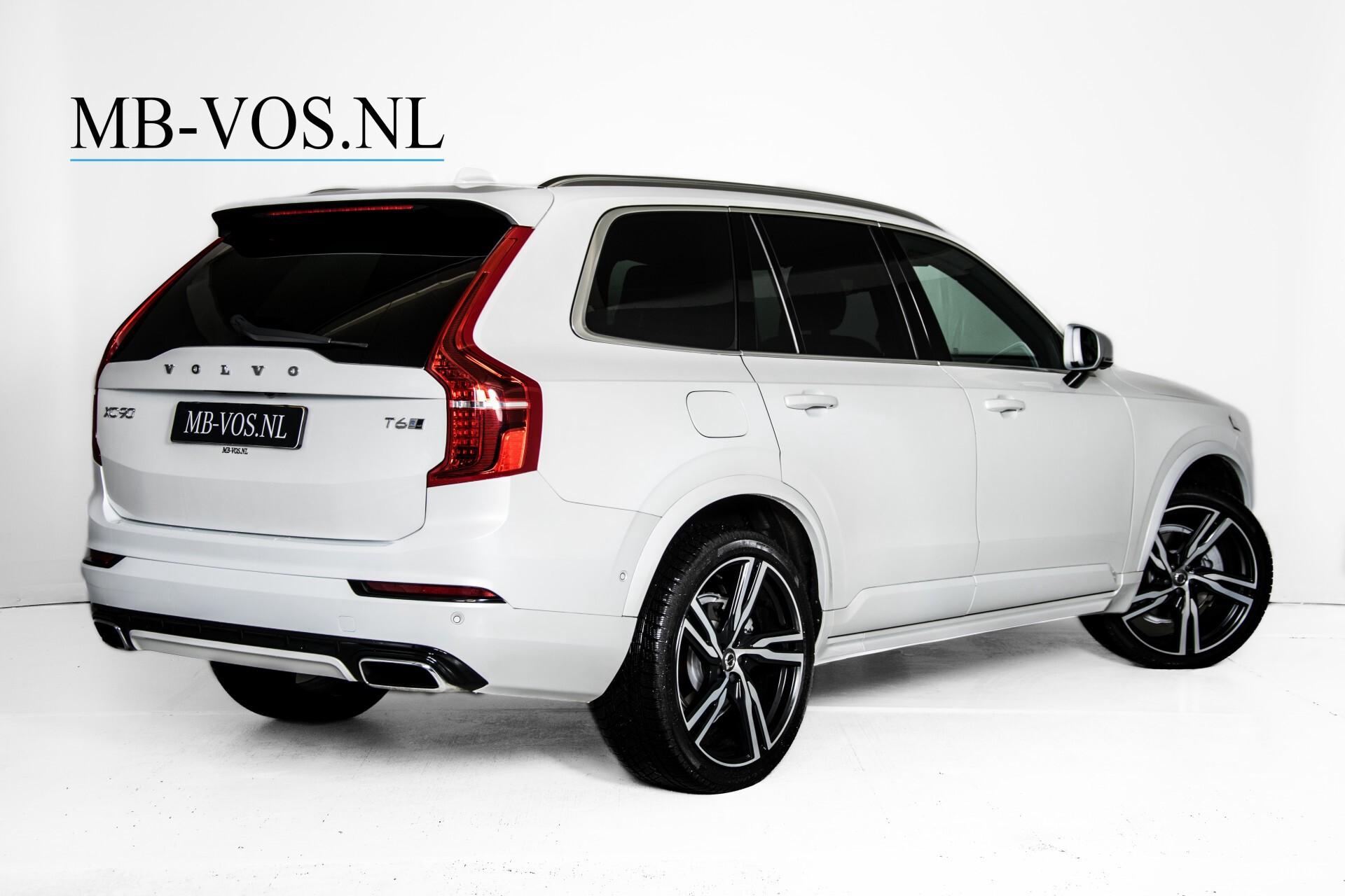"Volvo XC90 2.0 T6 AWD R-Design Panorama/Keyless/B&W/ACC/Standkachel/22"" Aut8 Foto 2"