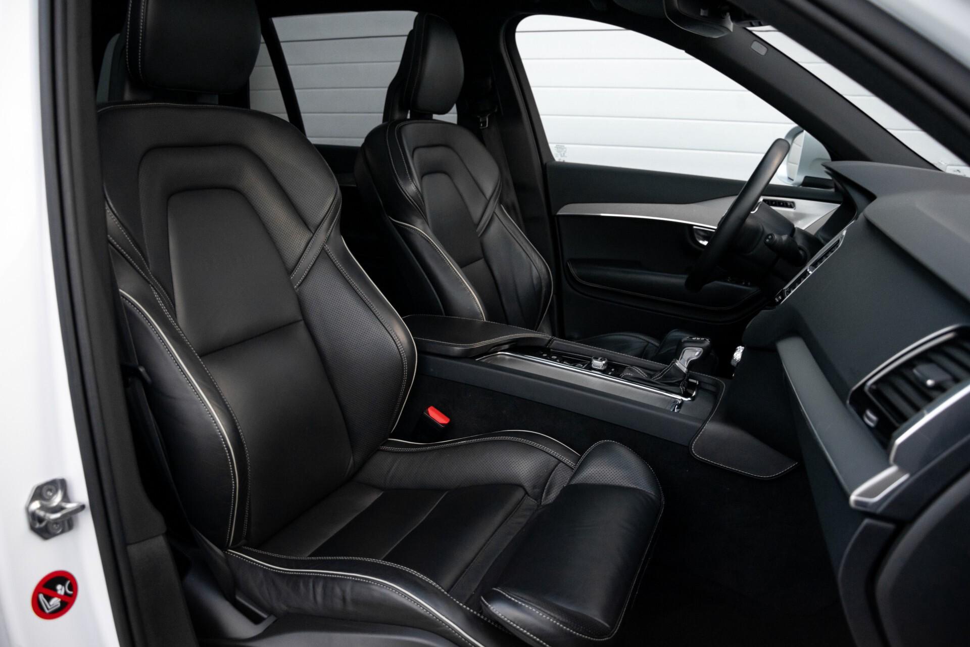 "Volvo XC90 2.0 T6 AWD R-Design Panorama/Keyless/B&W/ACC/Standkachel/22"" Aut8 Foto 3"
