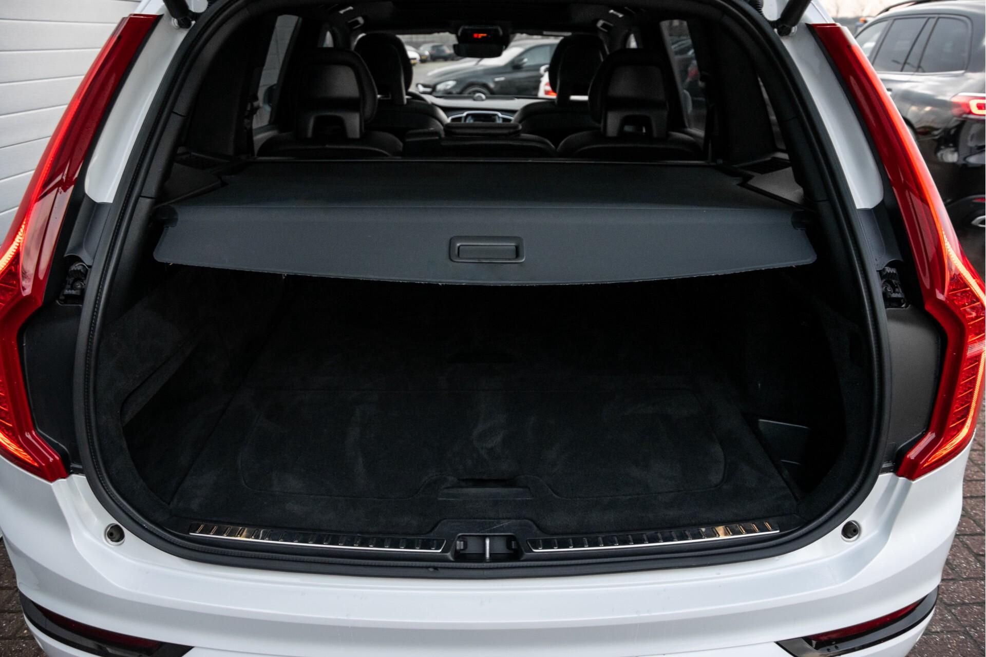 "Volvo XC90 2.0 T6 AWD R-Design Panorama/Keyless/B&W/ACC/Standkachel/22"" Aut8 Foto 40"