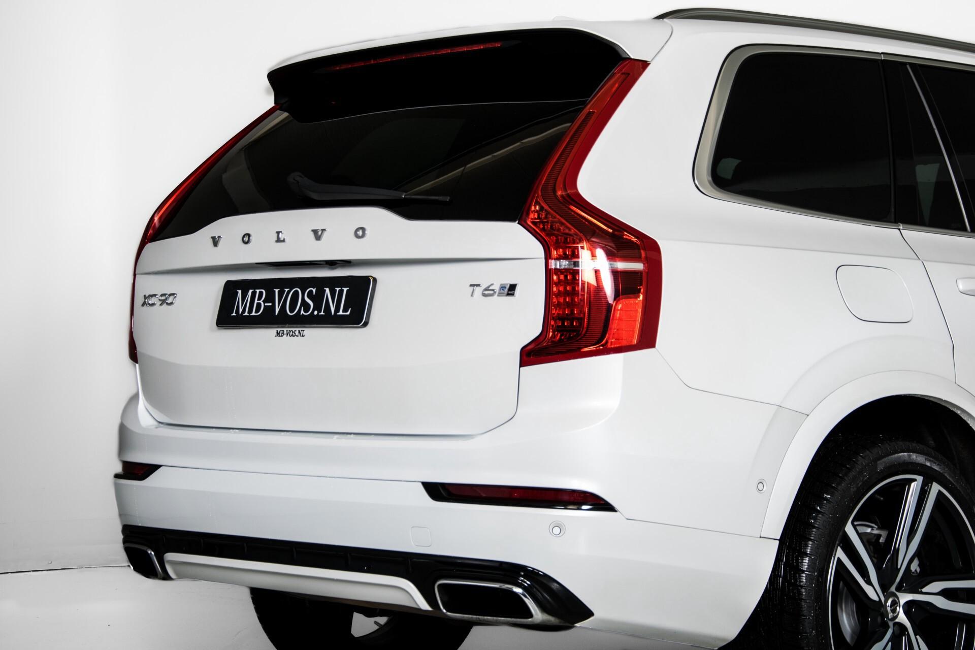 "Volvo XC90 2.0 T6 AWD R-Design Panorama/Keyless/B&W/ACC/Standkachel/22"" Aut8 Foto 42"
