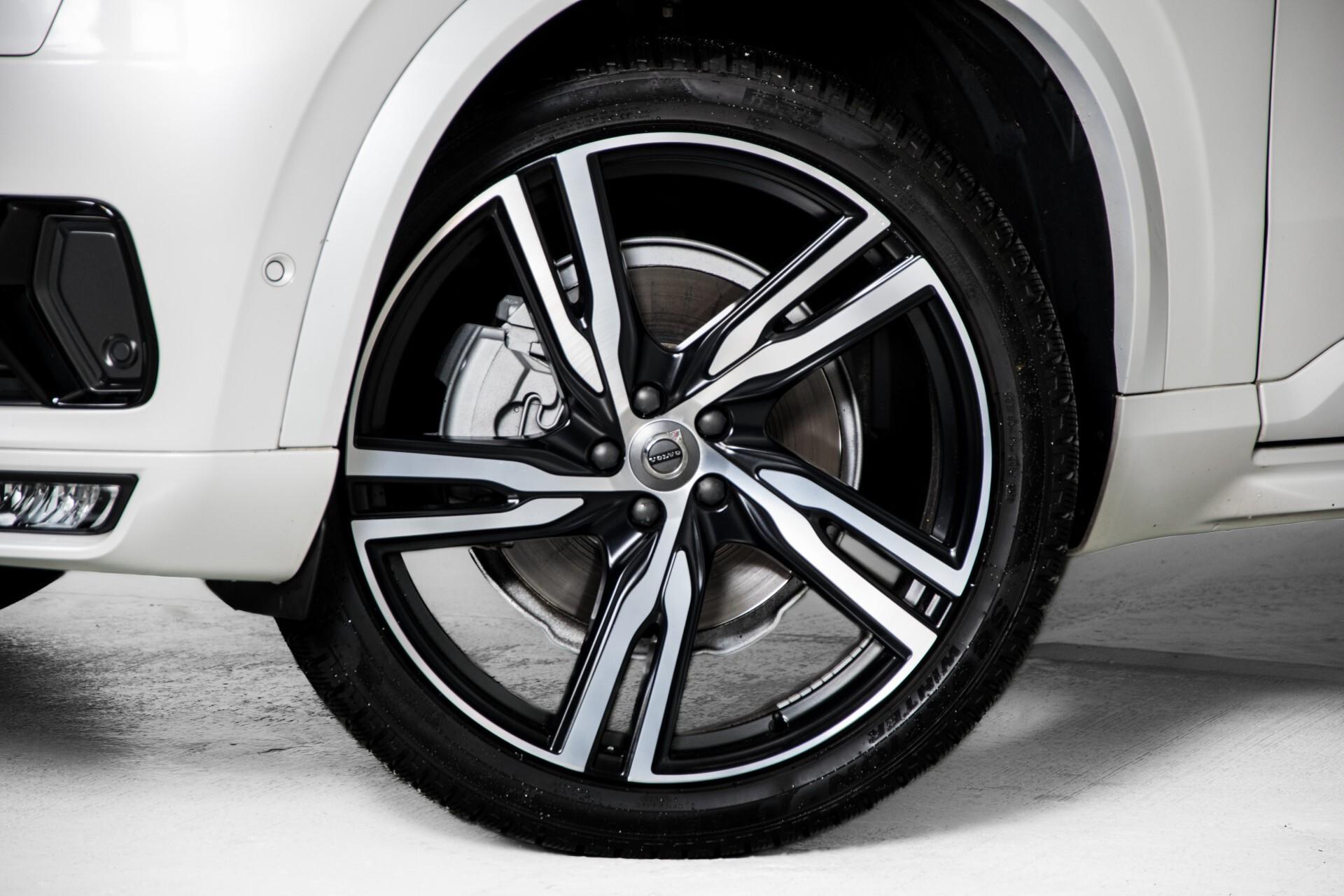 "Volvo XC90 2.0 T6 AWD R-Design Panorama/Keyless/B&W/ACC/Standkachel/22"" Aut8 Foto 43"