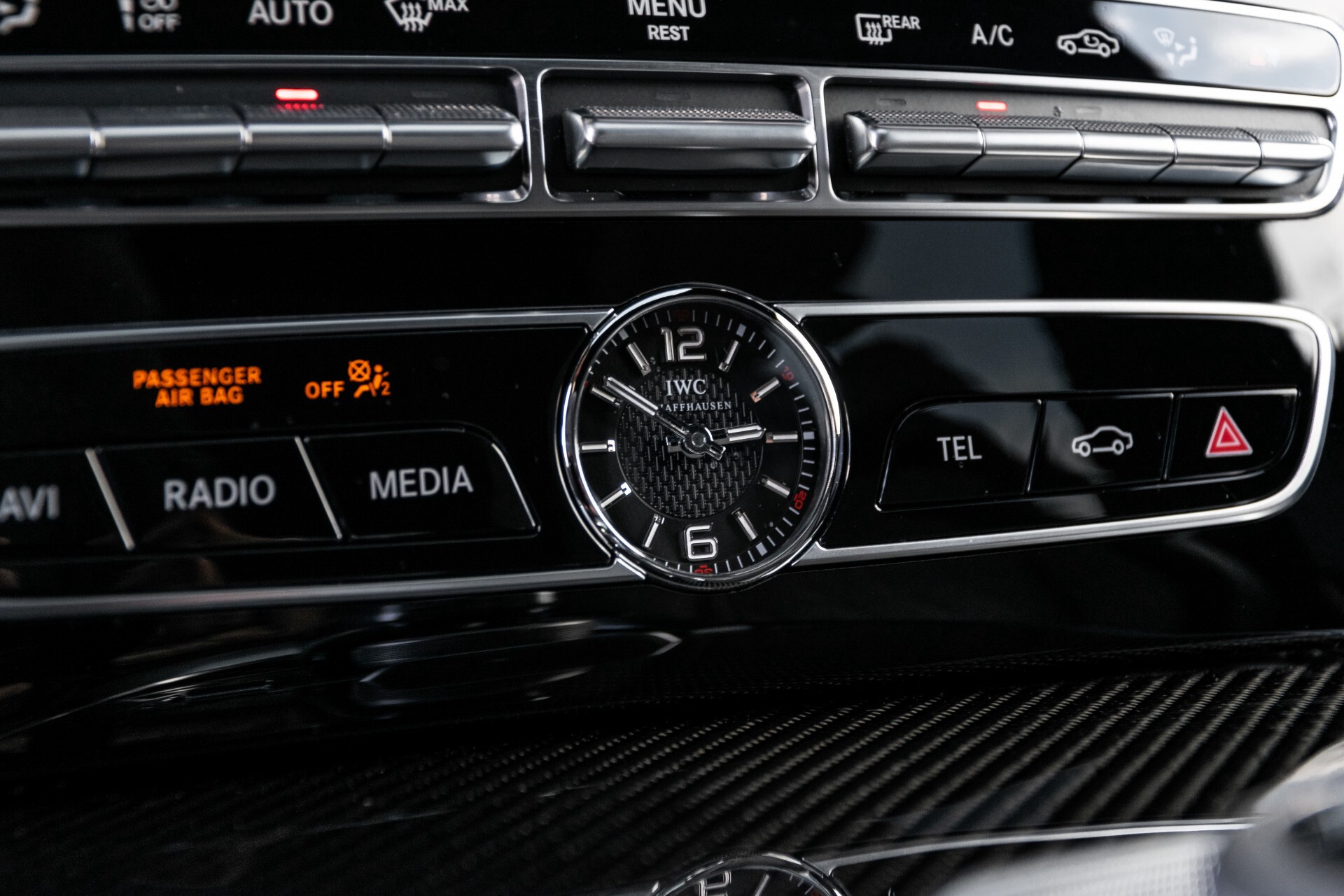 Mercedes-Benz G-Klasse 63 Manufaktur/Carbon/Massage/Entertainment/Drivers Package/TV Aut9 Foto 51