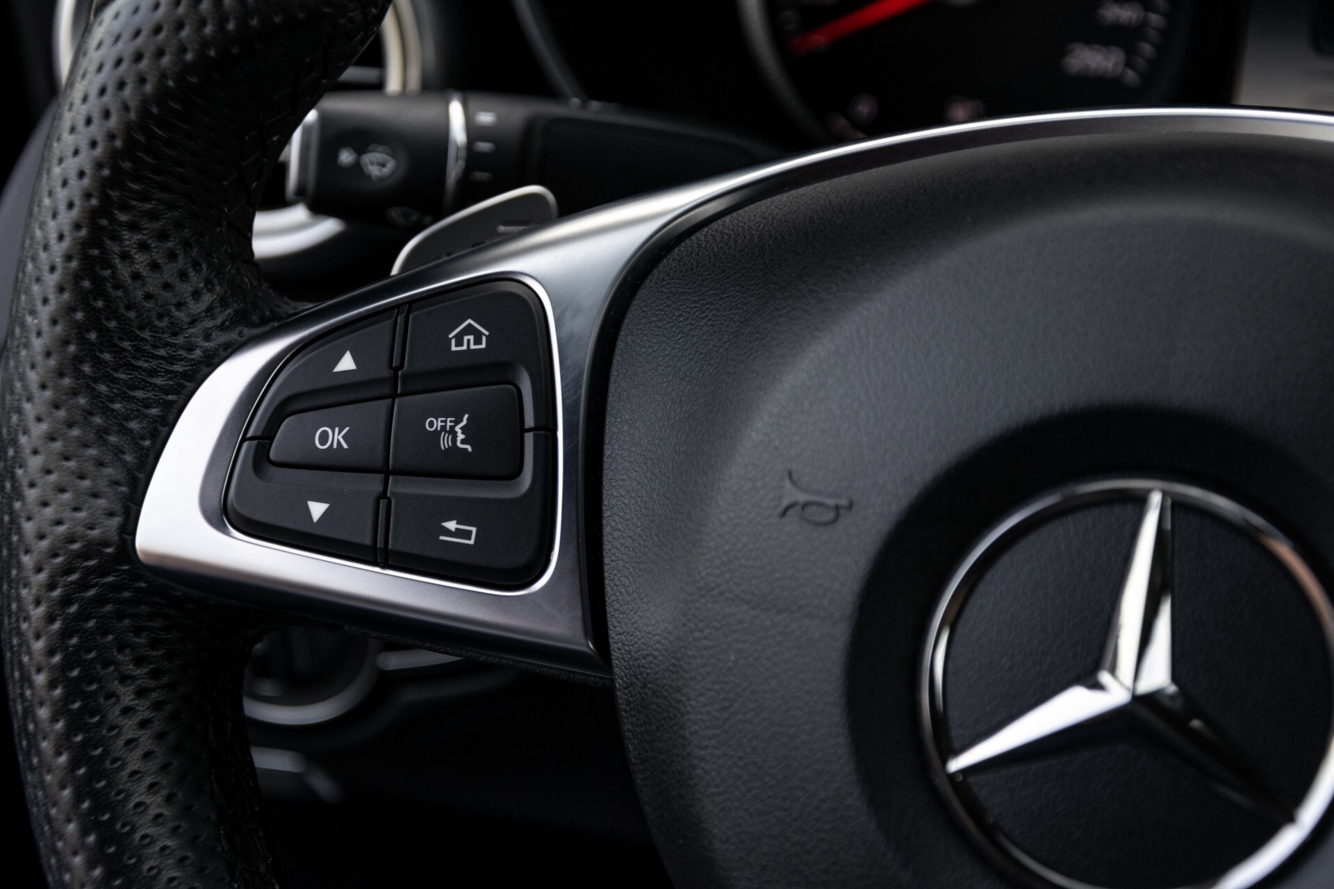 Mercedes-Benz C-Klasse Cabrio 250 AMG Airscarf/Aircap/Comand/ILS/Camera/Rode cabriokap Aut9 Foto 10
