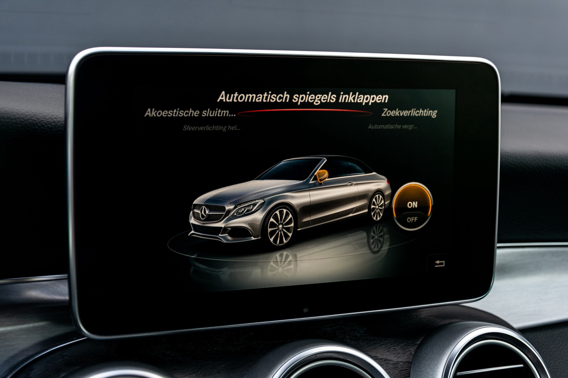 Mercedes-Benz C-Klasse Cabrio 250 AMG Airscarf/Aircap/Comand/ILS/Camera/Rode cabriokap Aut9 Foto 27