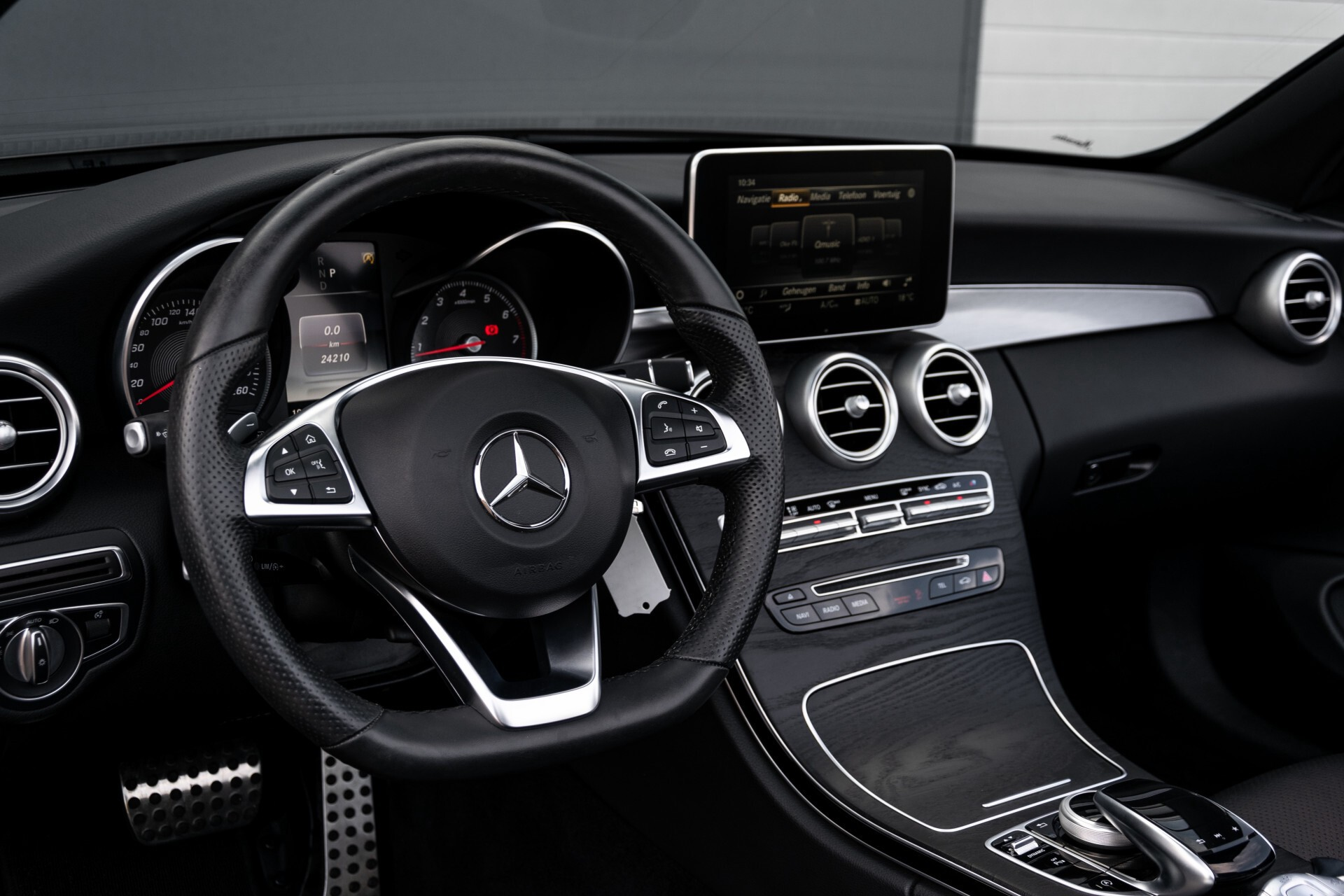 Mercedes-Benz C-Klasse Cabrio 250 AMG Airscarf/Aircap/Comand/ILS/Camera/Rode cabriokap Aut9 Foto 44