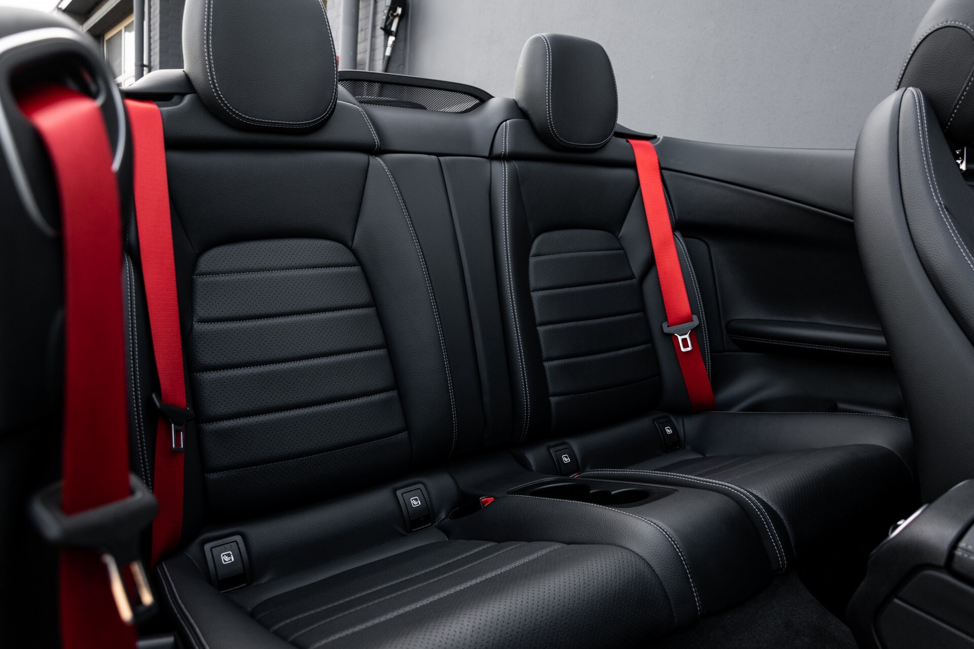 Mercedes-Benz C-Klasse Cabrio 250 AMG Airscarf/Aircap/Comand/ILS/Camera/Rode cabriokap Aut9 Foto 6