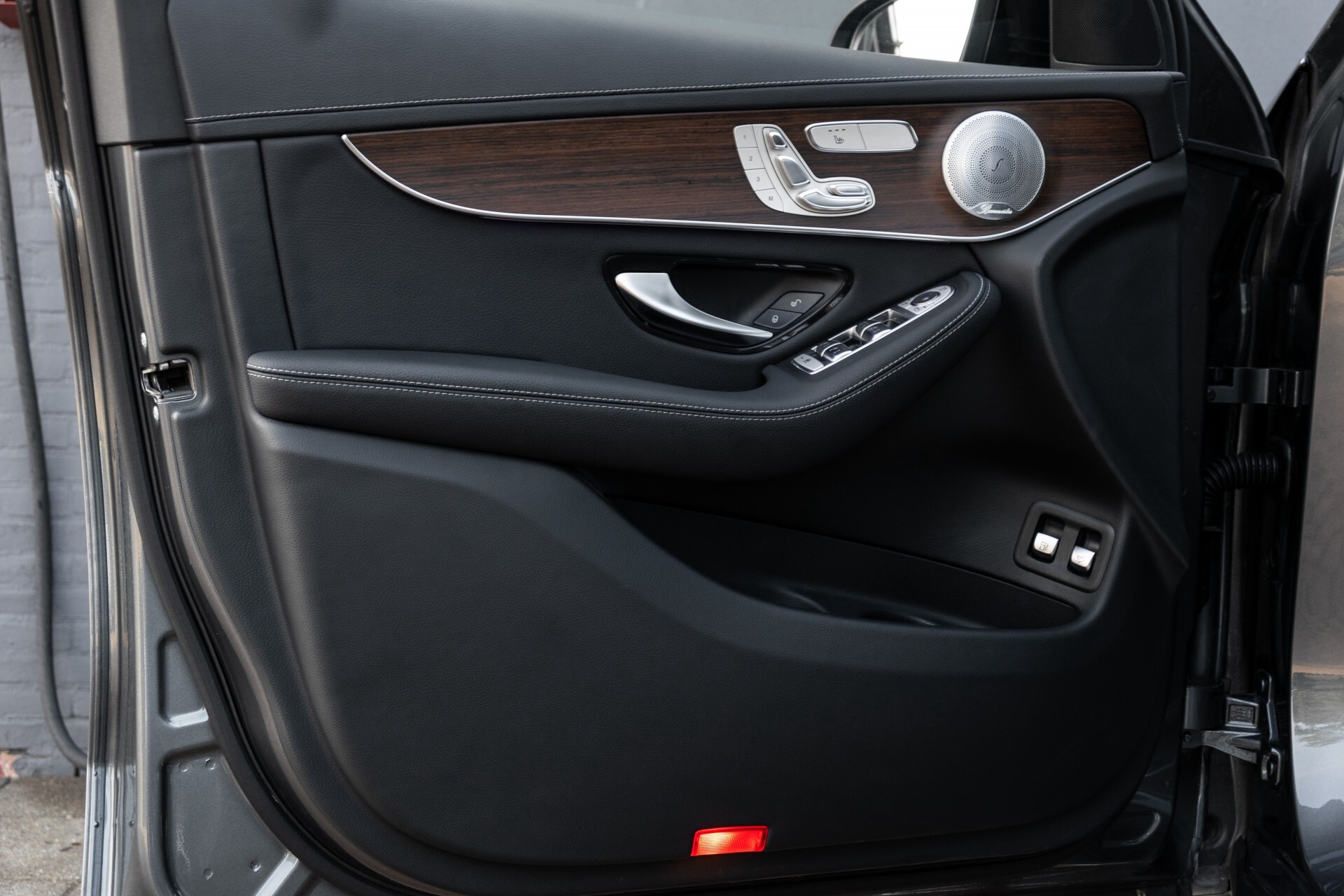 Mercedes-Benz GLC 300e 4-M Luchtvering/Panorama/Multicontourstoelen/Rij-assistentie/Standkachel Aut9 Foto 21