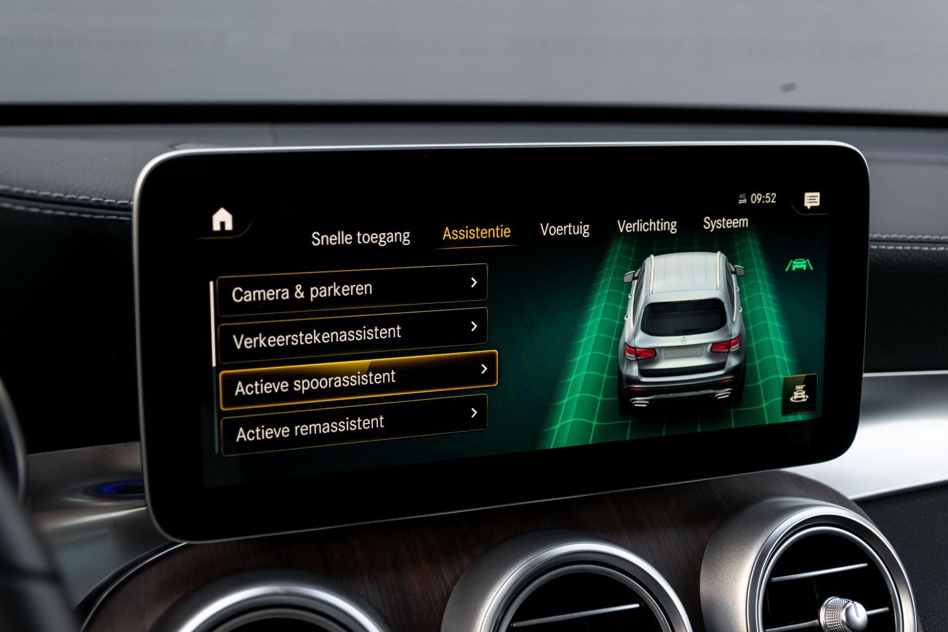 Mercedes-Benz GLC 300e 4-M Luchtvering/Panorama/Multicontourstoelen/Rij-assistentie/Standkachel Aut9 Foto 30