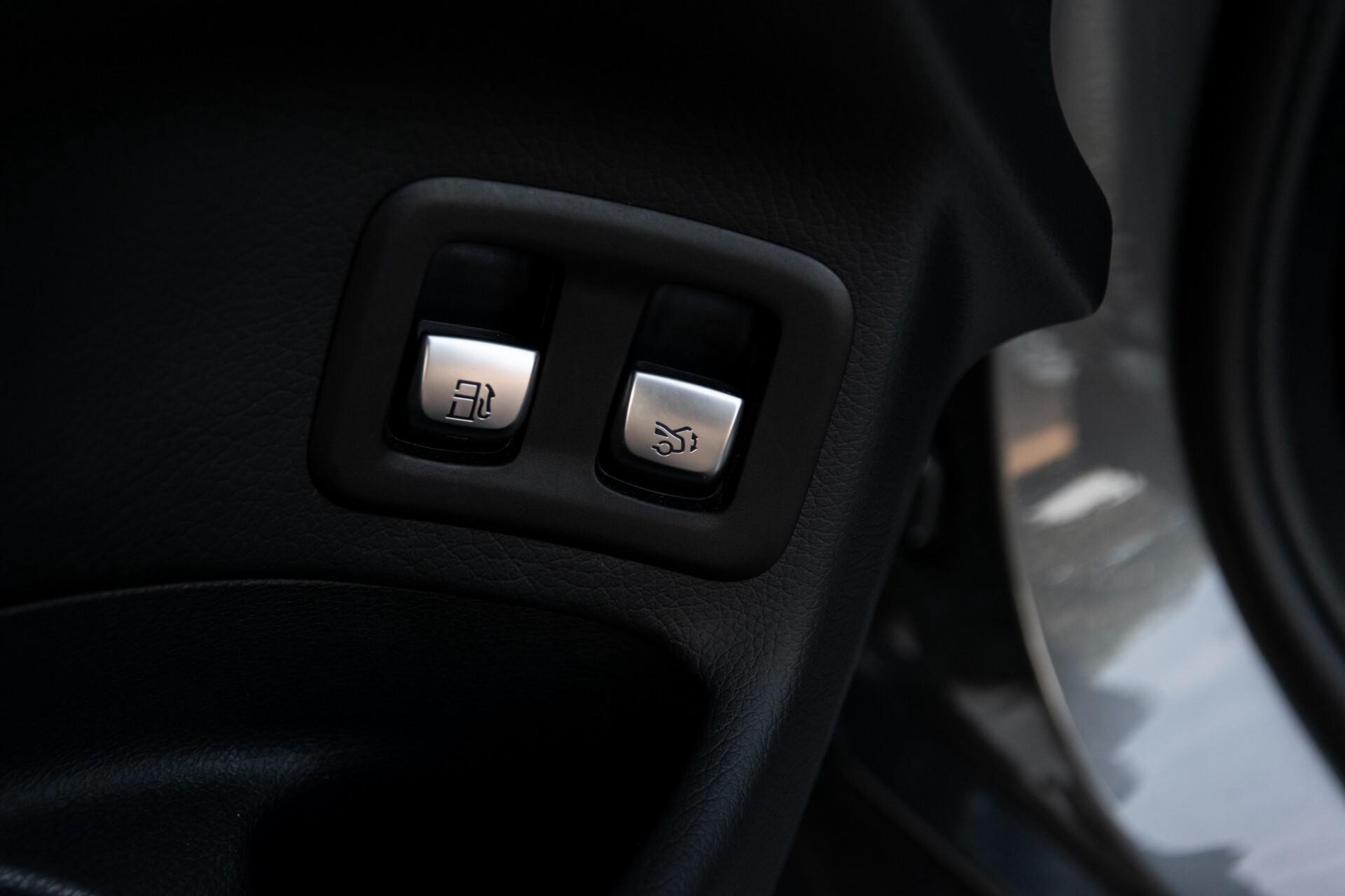 Mercedes-Benz GLC 300e 4-M Luchtvering/Panorama/Multicontourstoelen/Rij-assistentie/Standkachel Aut9 Foto 31