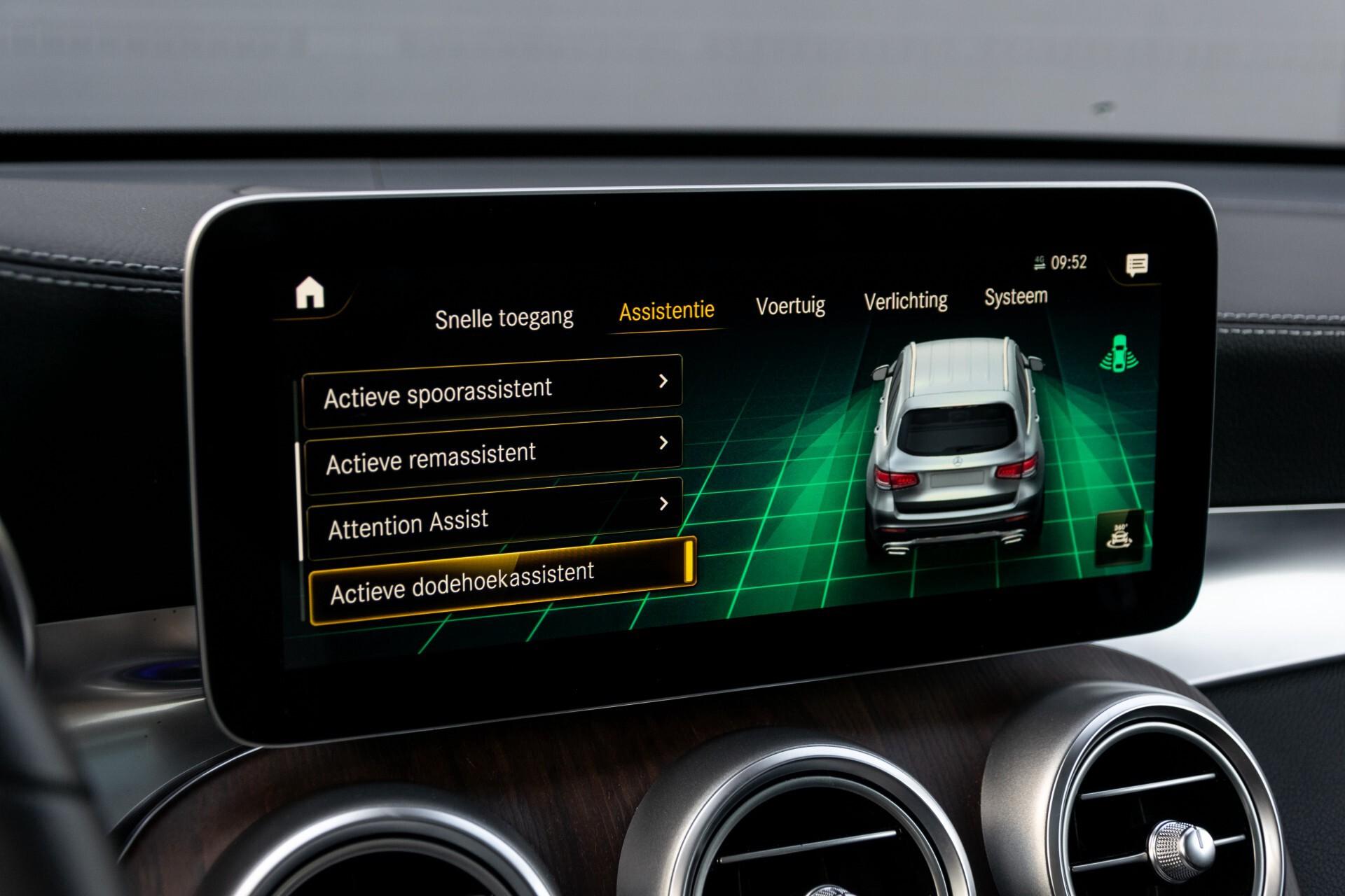 Mercedes-Benz GLC 300e 4-M Luchtvering/Panorama/Multicontourstoelen/Rij-assistentie/Standkachel Aut9 Foto 34