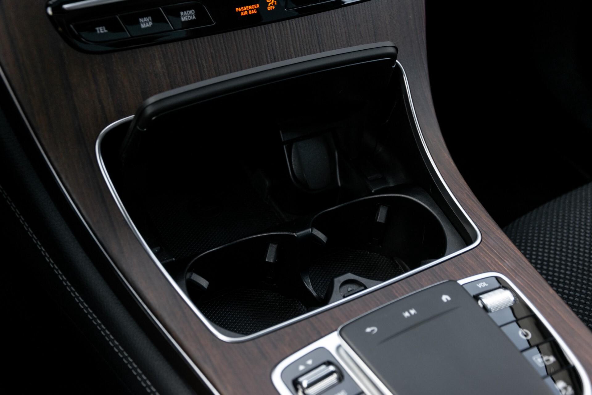 Mercedes-Benz GLC 300e 4-M Luchtvering/Panorama/Multicontourstoelen/Rij-assistentie/Standkachel Aut9 Foto 45