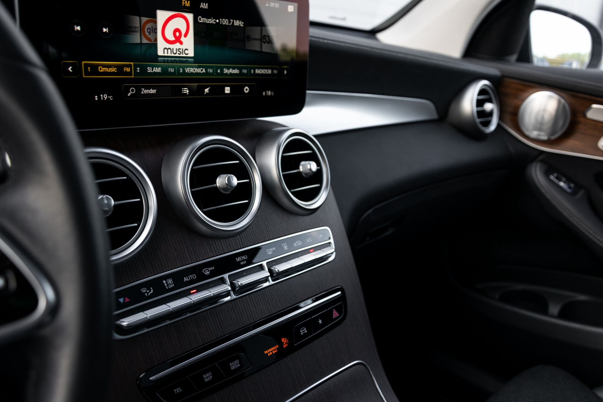 Mercedes-Benz GLC 300e 4-M Luchtvering/Panorama/Multicontourstoelen/Rij-assistentie/Standkachel Aut9 Foto 47