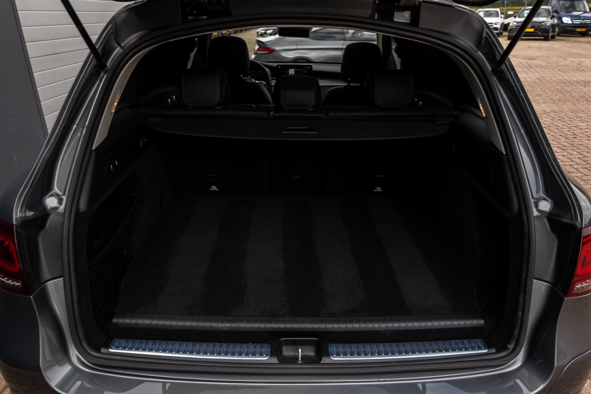 Mercedes-Benz GLC 300e 4-M Luchtvering/Panorama/Multicontourstoelen/Rij-assistentie/Standkachel Aut9 Foto 57