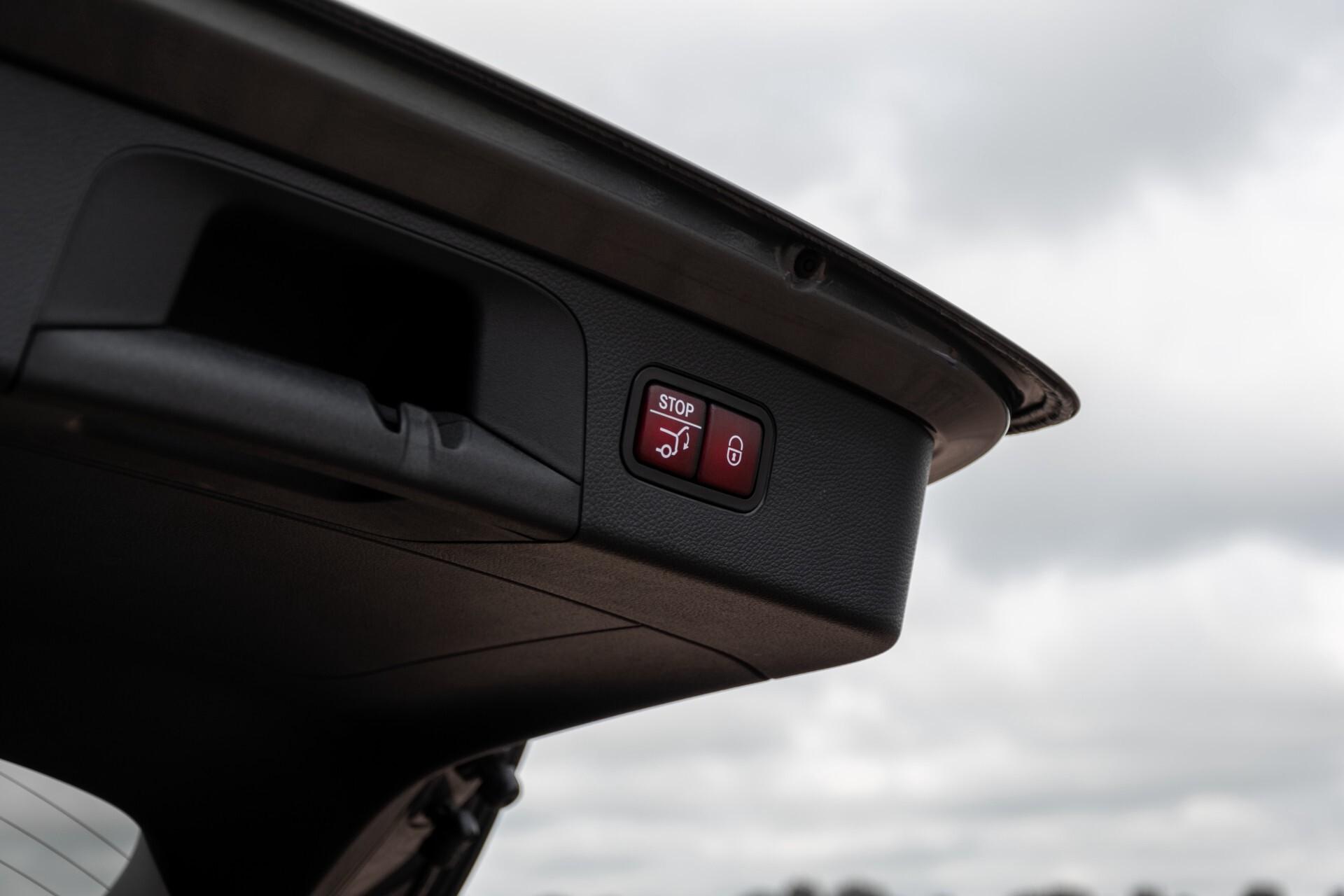 Mercedes-Benz GLC 300e 4-M Luchtvering/Panorama/Multicontourstoelen/Rij-assistentie/Standkachel Aut9 Foto 59