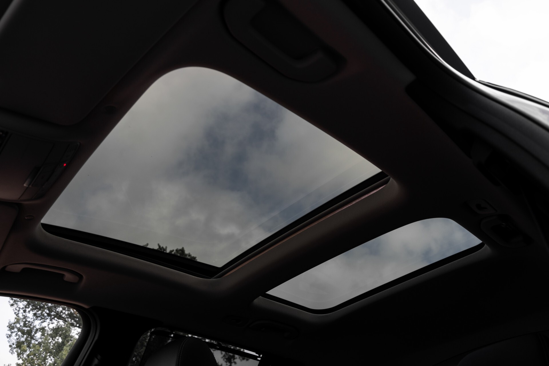 Mercedes-Benz GLC 300e 4-M Luchtvering/Panorama/Multicontourstoelen/Rij-assistentie/Standkachel Aut9 Foto 60